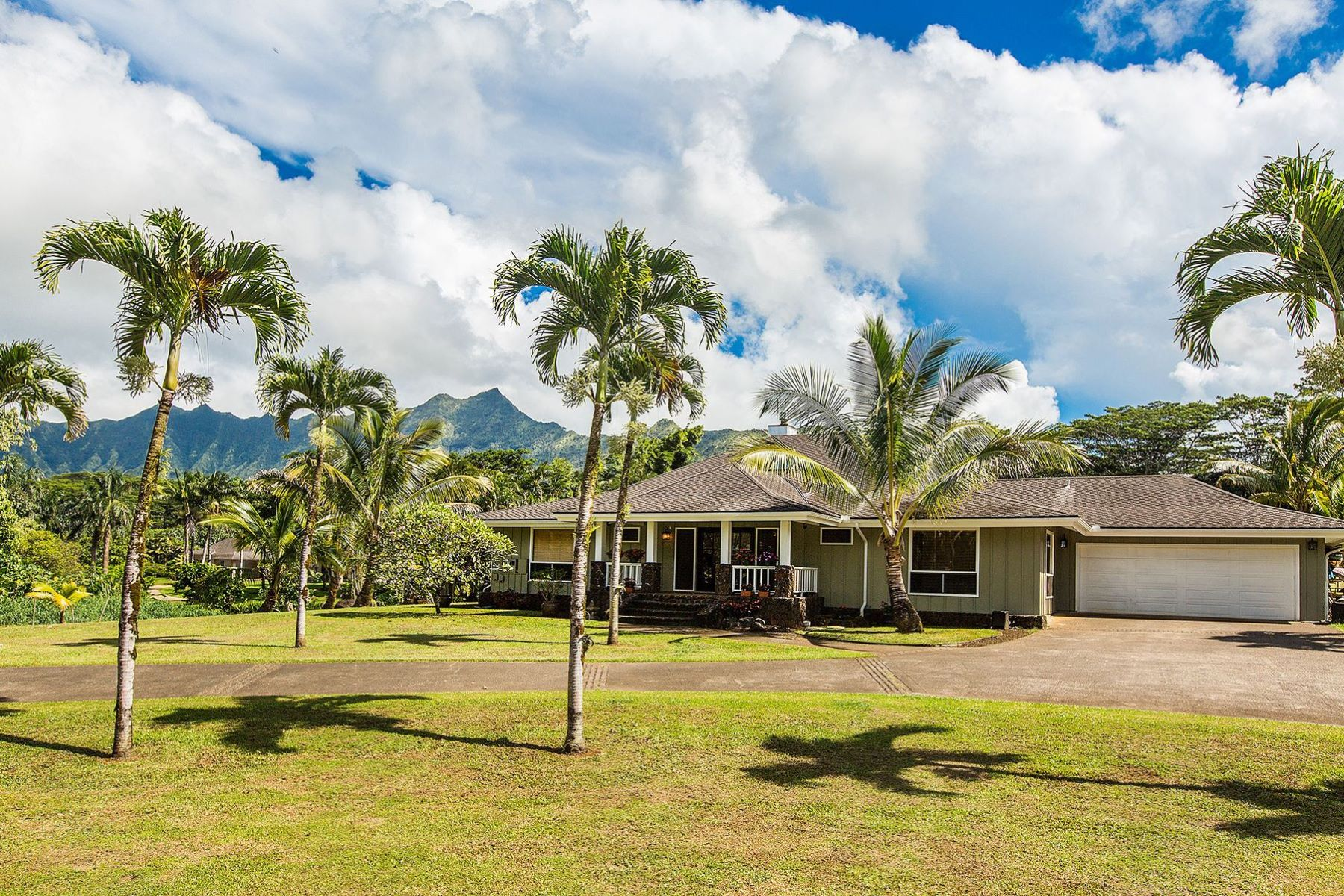 Single Family Homes for Sale at 6127 KAHILIHOLO RD #C HANALEI, HI 96754 6127 KAHILIHOLO RD #C Hanalei, Hawaii 96754 United States