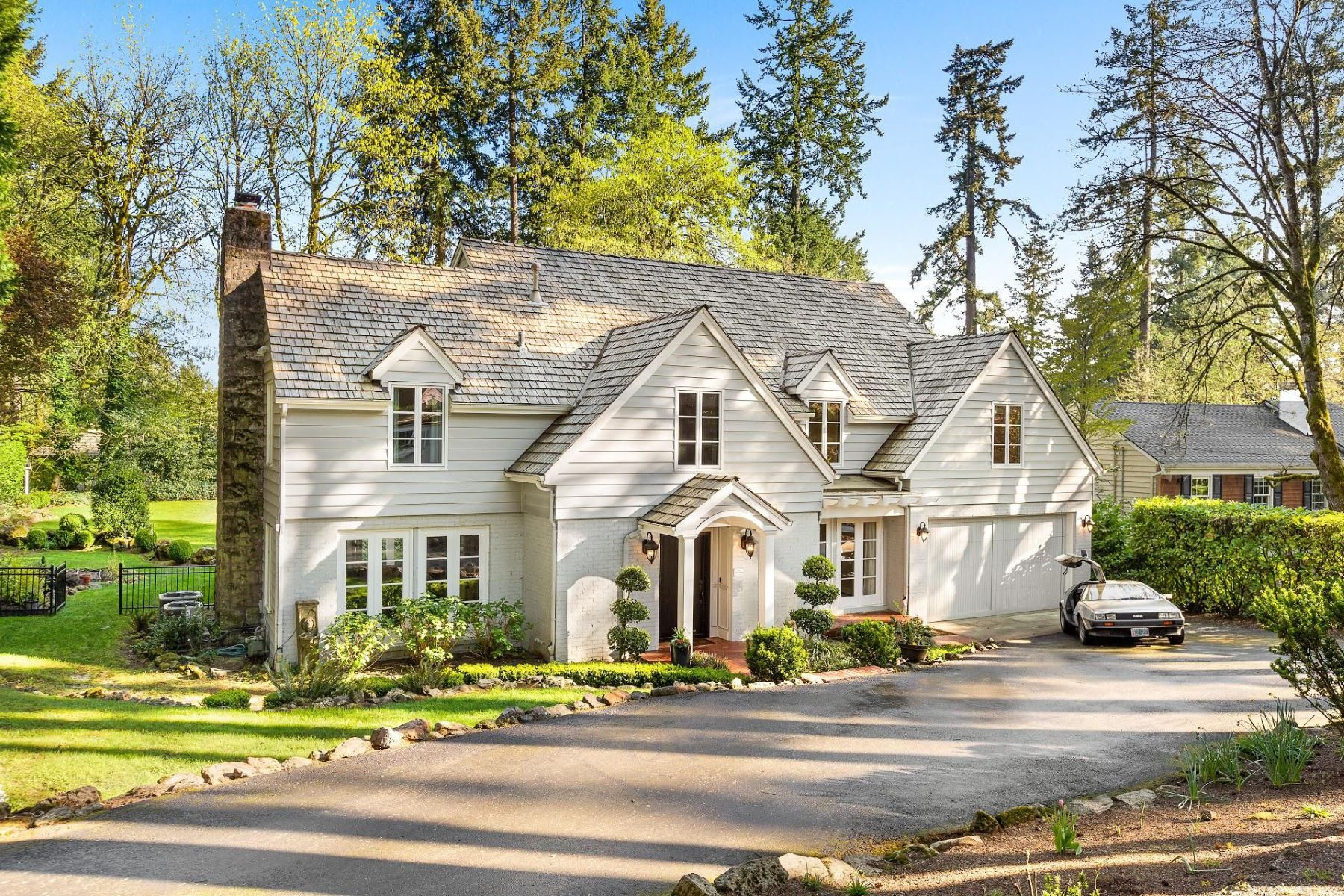 Other Residential Homes for Active at 163 IRON MOUNTAIN BLVD Lake Oswego, OR 97034 163 IRON MOUNTAIN BLVD Lake Oswego, Oregon 97034 United States