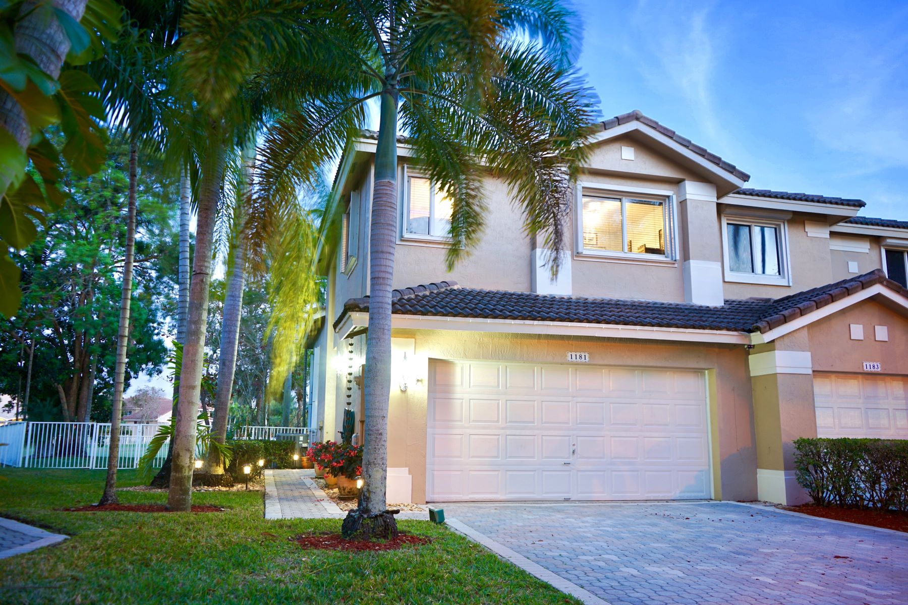 townhouses for Active at 1181 Sw 158th Ave Pembroke Pines, Florida 33027 United States