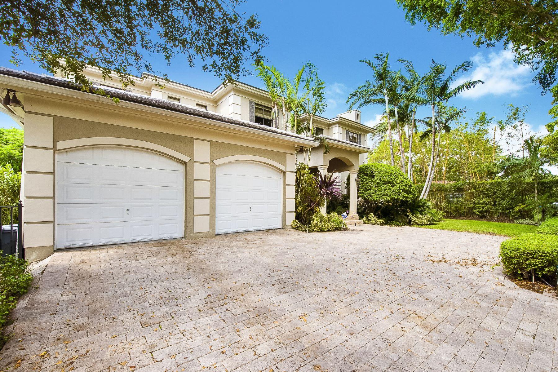 Single Family Homes por un Venta en 7820 Mindello St, Coral Gables, FL 7820 Mindello St Coral Gables, Florida 33143 Estados Unidos