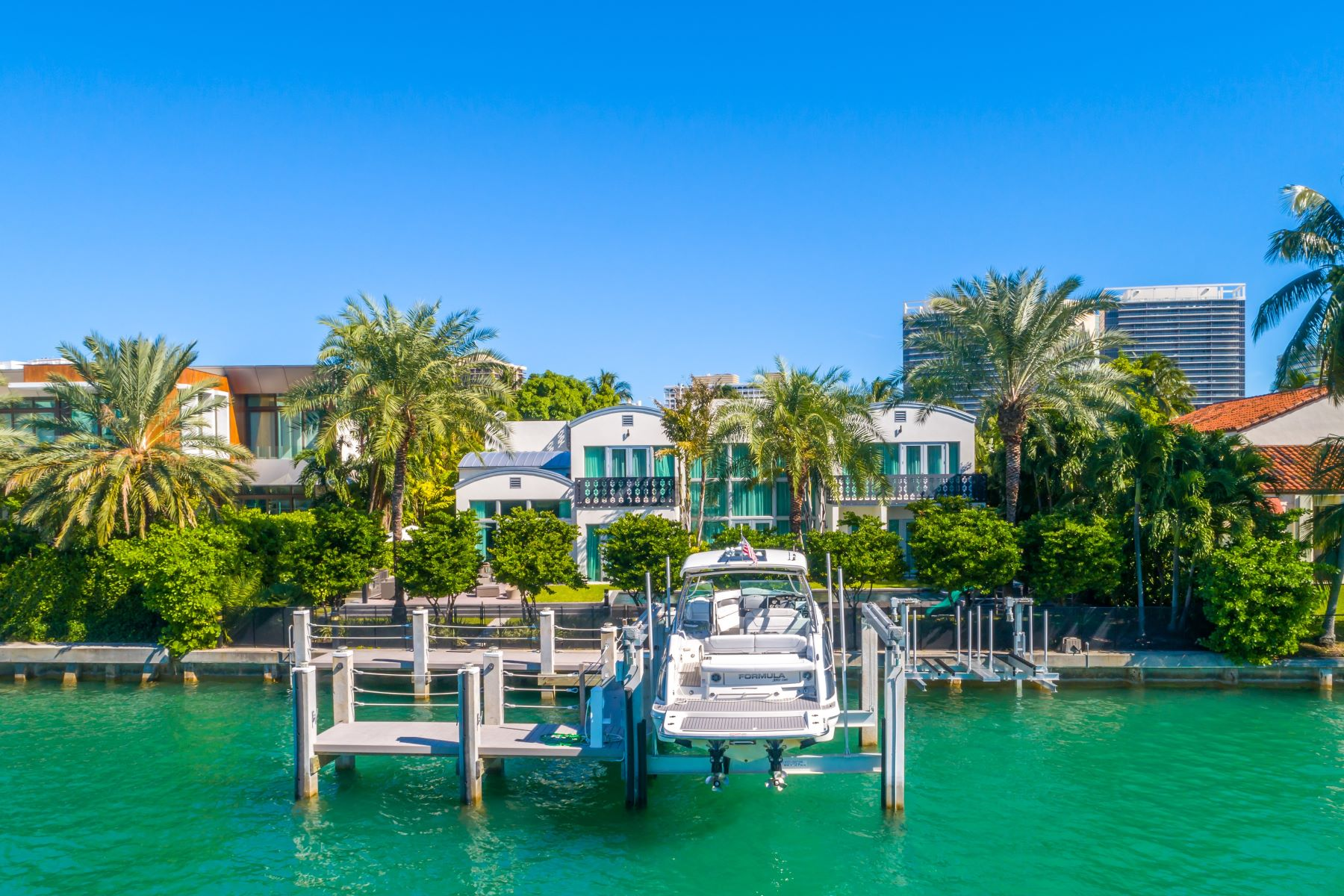 Single Family Homes for Active at 56 Bal Bay Dr Bal Harbour, Florida 33154 United States