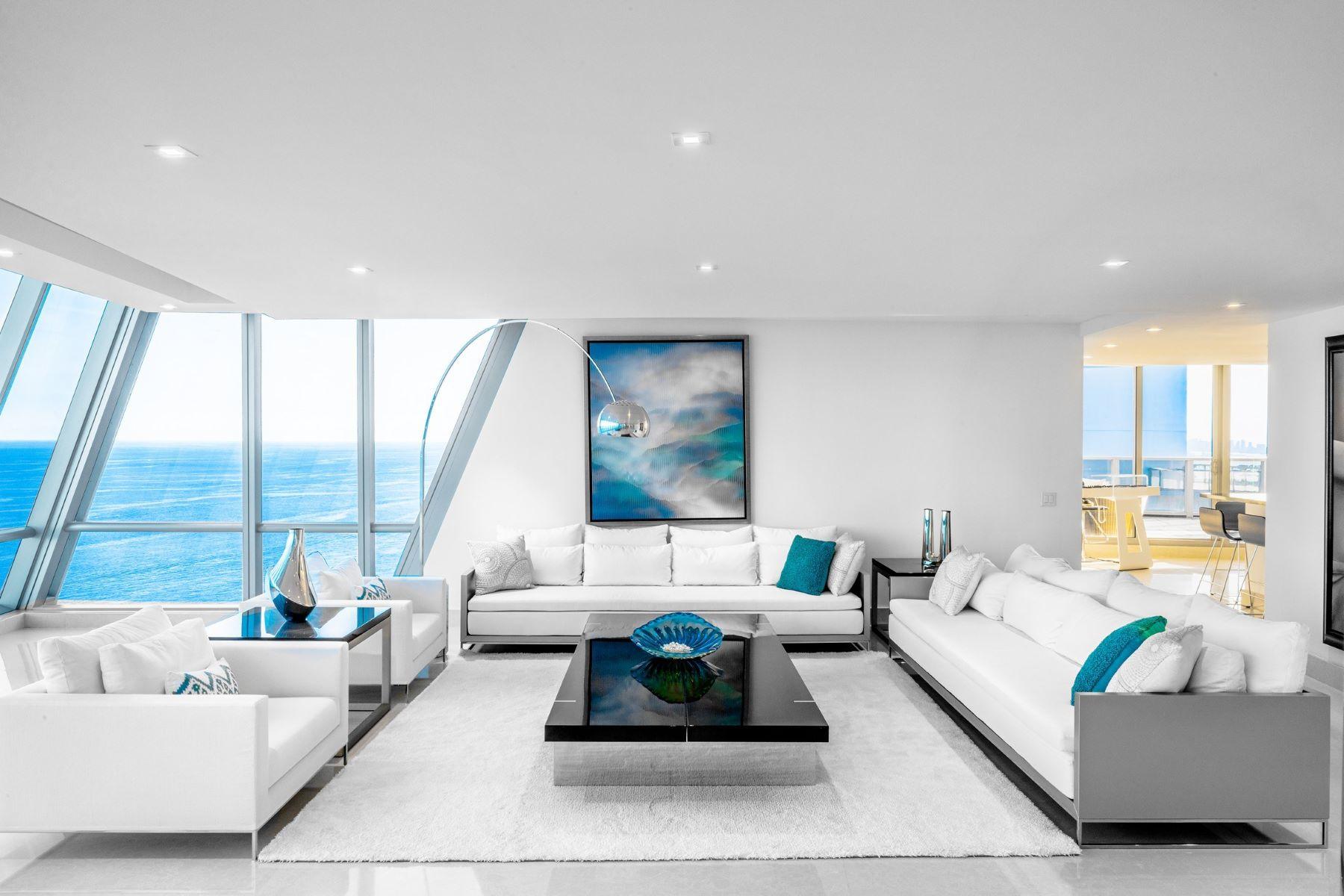 Condominiums por un Venta en 17121 Collins Ave 4803 Sunny Isles Beach, Florida 33160 Estados Unidos