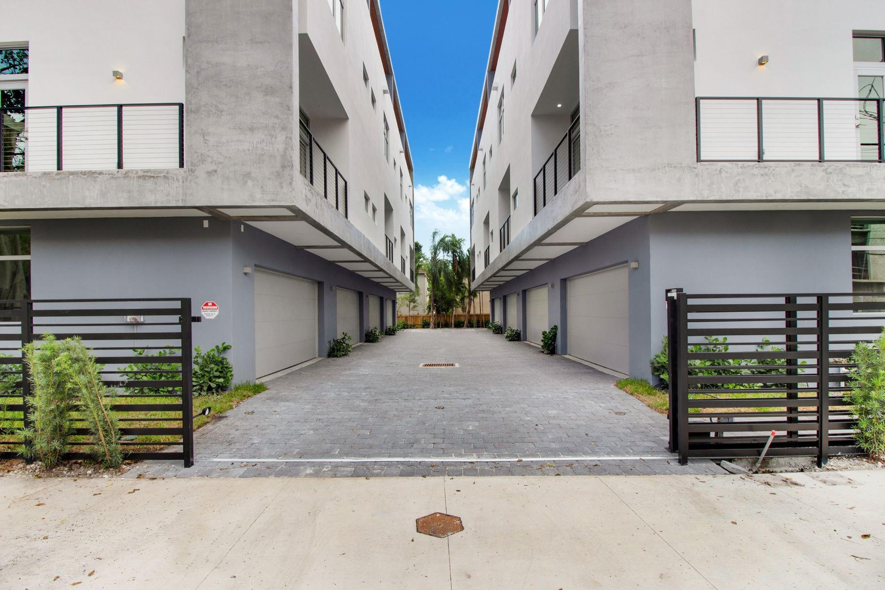 townhouses 为 销售 在 2924 Bird Avenue 1 椰树林, 佛罗里达州 33133 美国