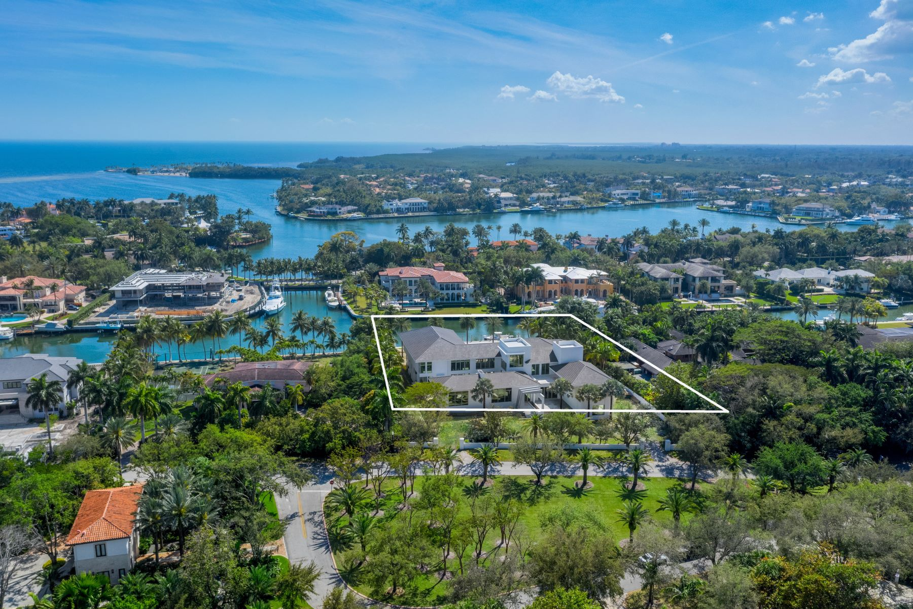 Additional photo for property listing at  Coral Gables, Florida 33156 United States