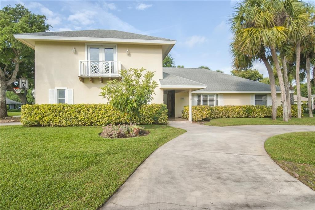 Single Family Homes for Sale at 1013 Poitras Drive Vero Beach, Florida 32963 United States