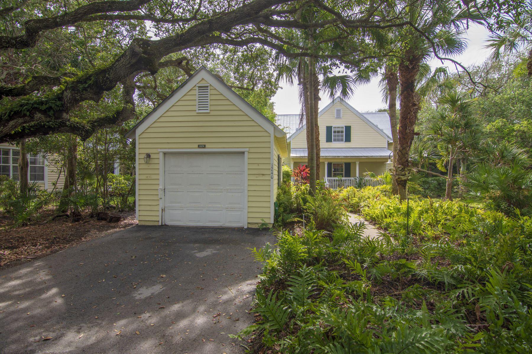 townhouses для того Продажа на 1240 Palmetto Court, #104, Vero Beach, FL 1240 Palmetto Court 104 Vero Beach, Флорида 32963 Соединенные Штаты