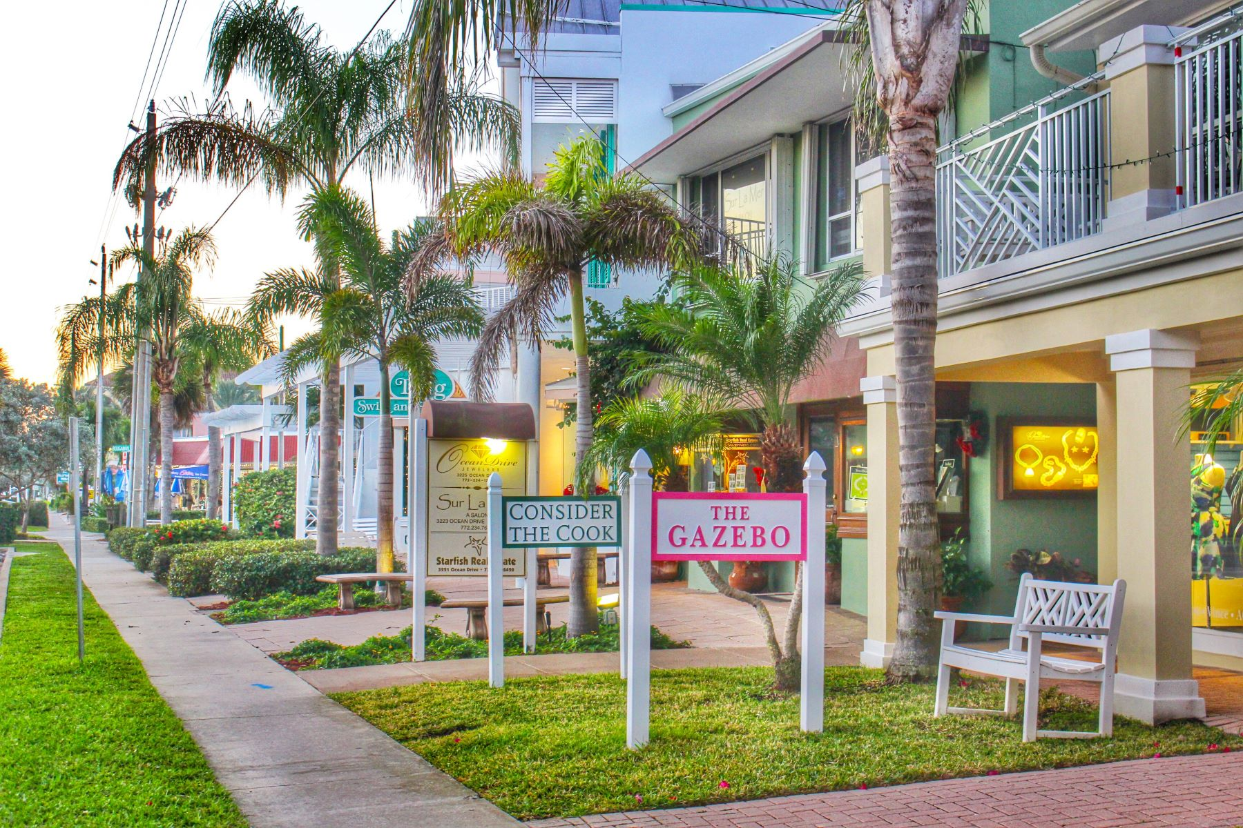 Additional photo for property listing at 900 River Club Drive & Highway A1 A, Vero Beach, FL 900 River Club Drive & Highway A1 A Vero Beach, Florida 32963 United States