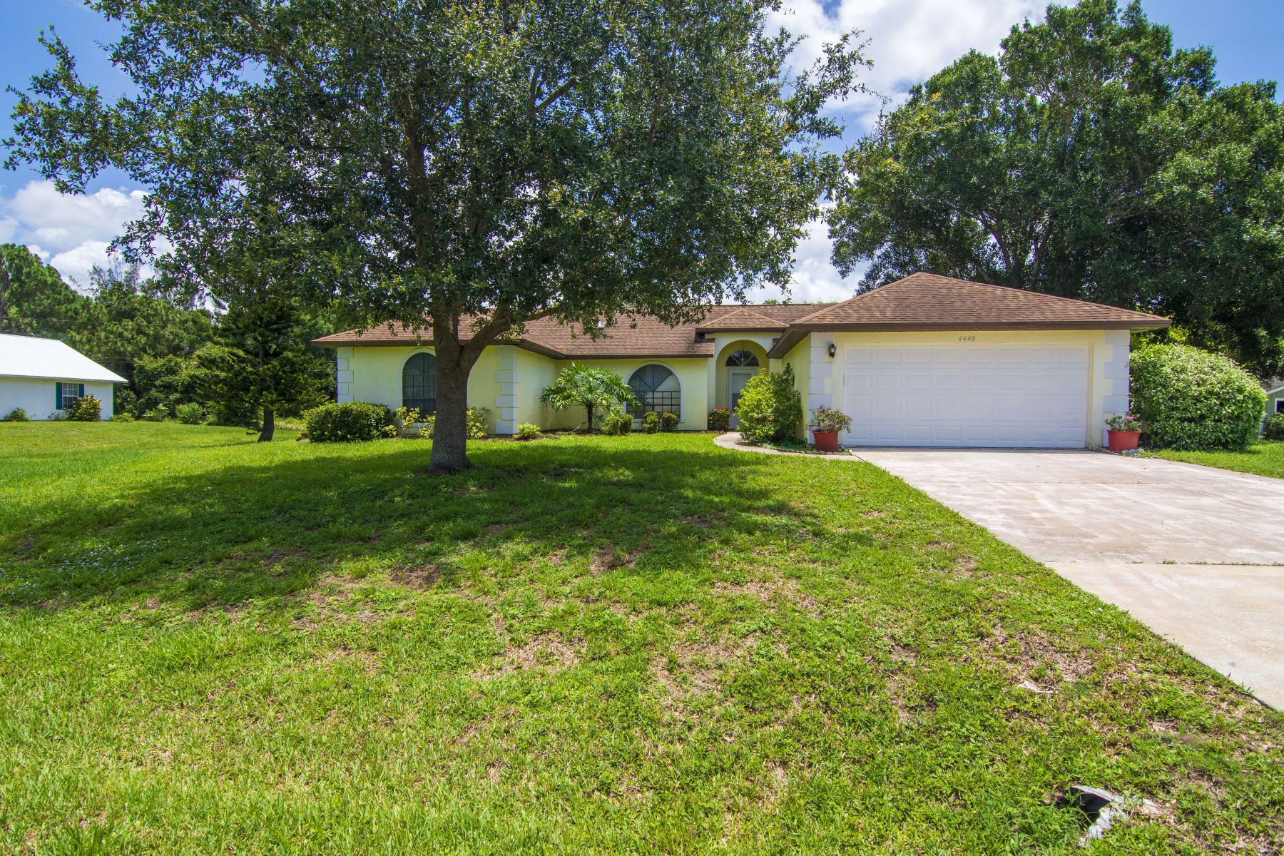 Single Family Homes 용 매매 에 4440 62nd Court, Vero Beach, FL 4440 62nd Court Vero Beach, 플로리다 32967 미국