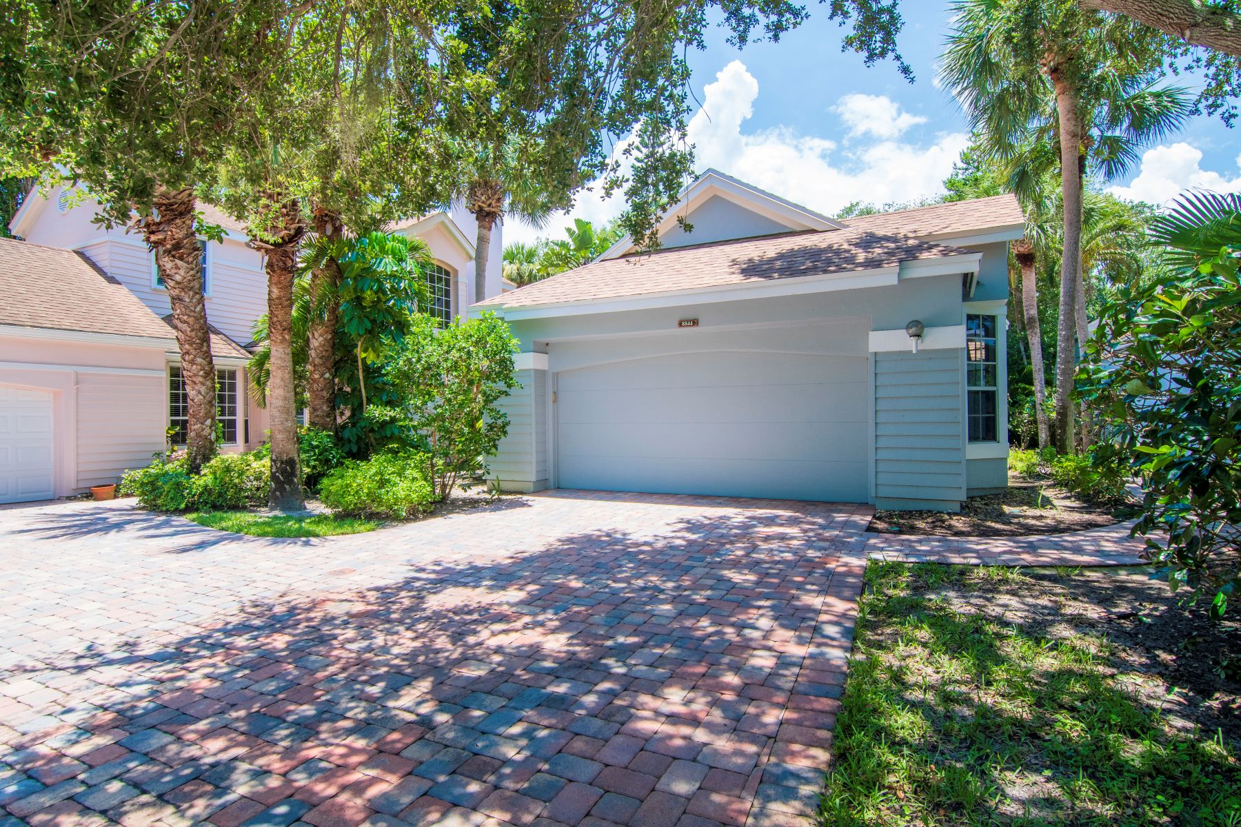 Property for Sale at 8844 Lakeside Circle, Vero Beach, FL 8844 Lakeside Circle Vero Beach, Florida 32963 United States