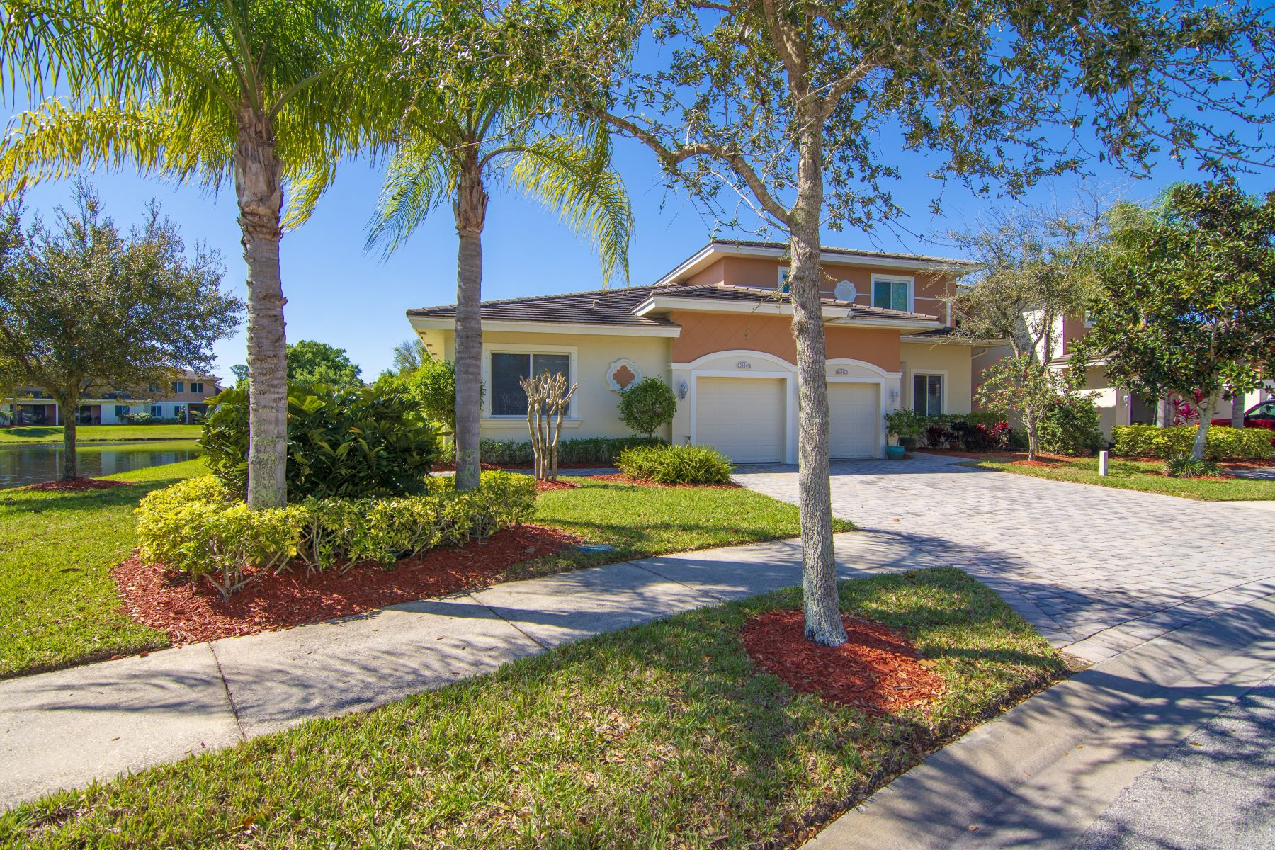 for Sale at 2527 Stockbridge Square Sw Vero Beach, Florida 32962 United States