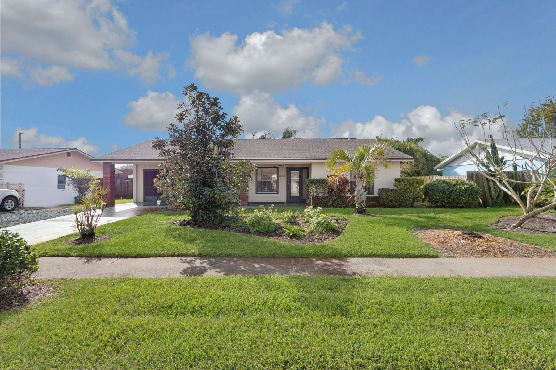 Single Family Homes for Sale at 3282 E Eastman Ne Avenue 3282 E Eastman Avenue Ne Palm Bay, Florida 32905 United States