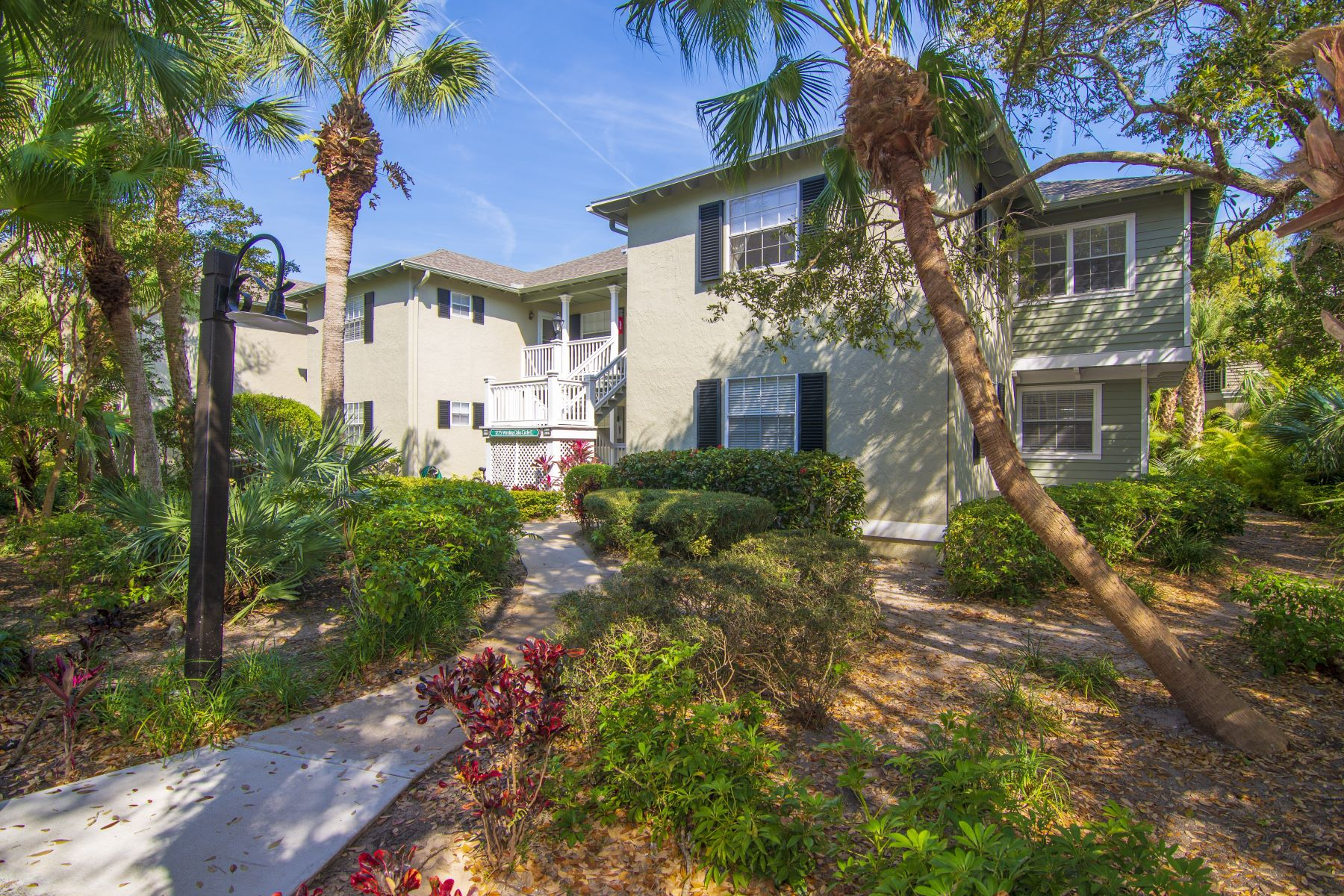 Property for Sale at 1275 Winding Oaks Circle E, 708 Vero Beach, Florida 32963 United States