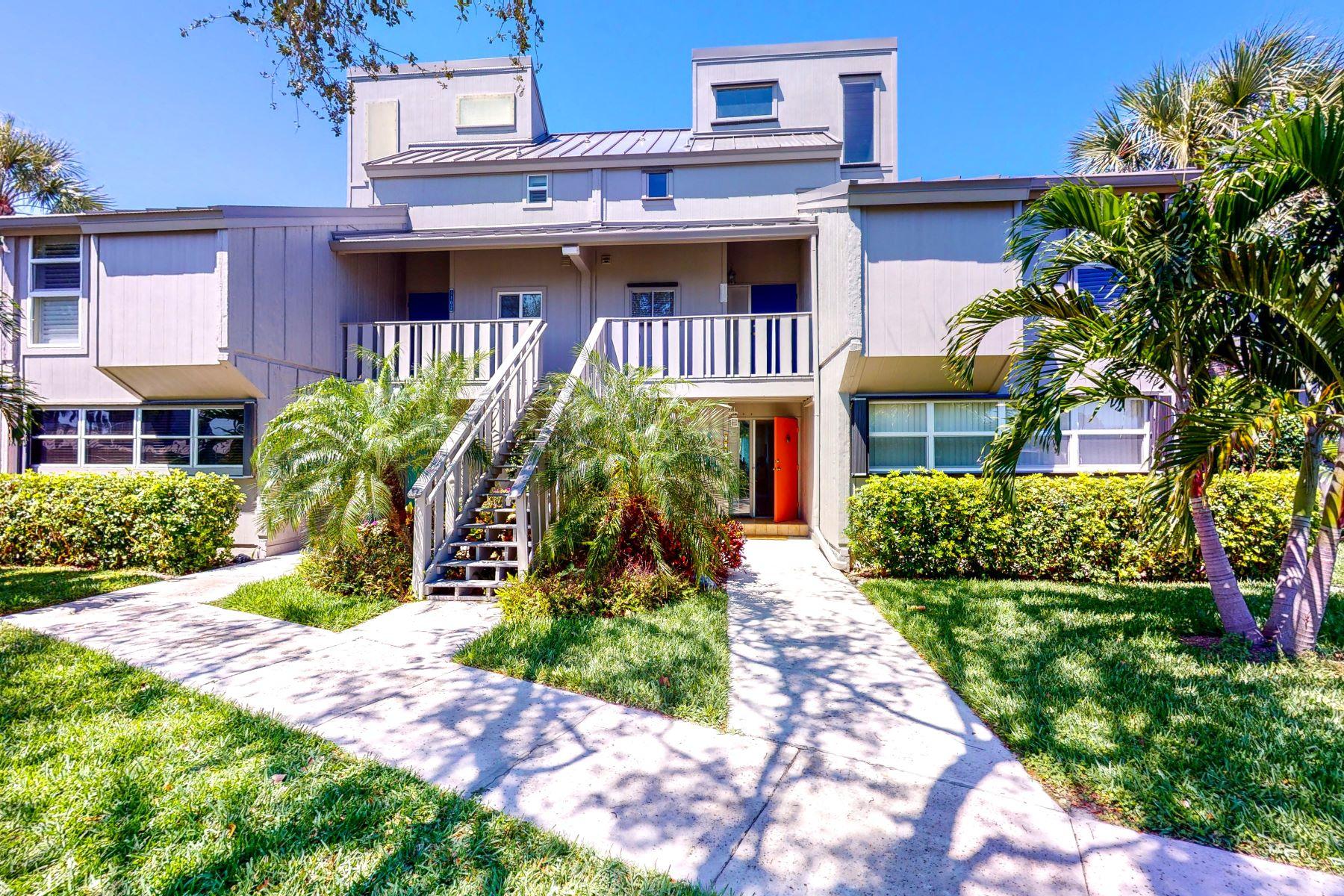для того Продажа на 1104 Spyglass Lane, #A, Vero Beach, FL 1104 Spyglass Lane A Vero Beach, Флорида 32963 Соединенные Штаты