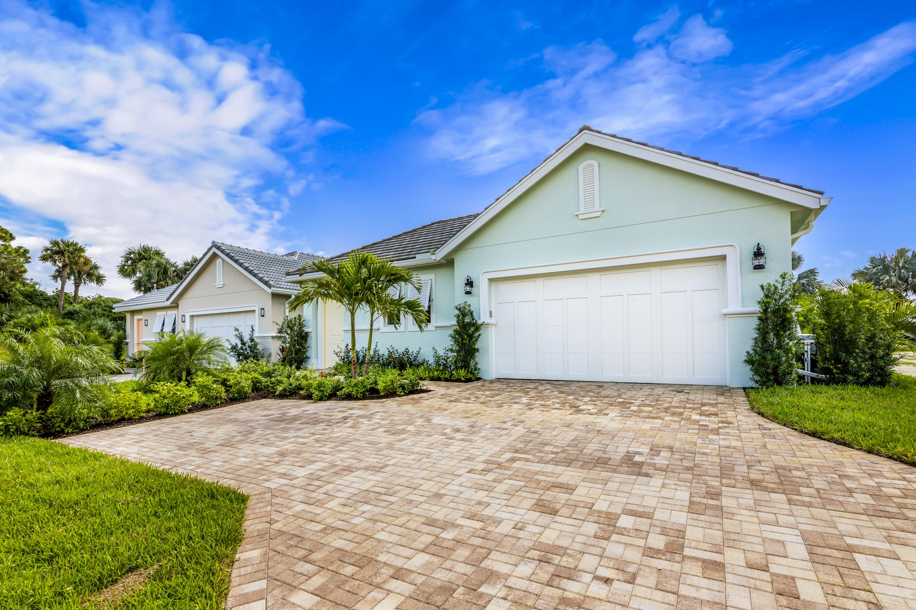 Single Family Homes for Sale at 2143 Falls Circle Vero Beach, Florida 32967 United States