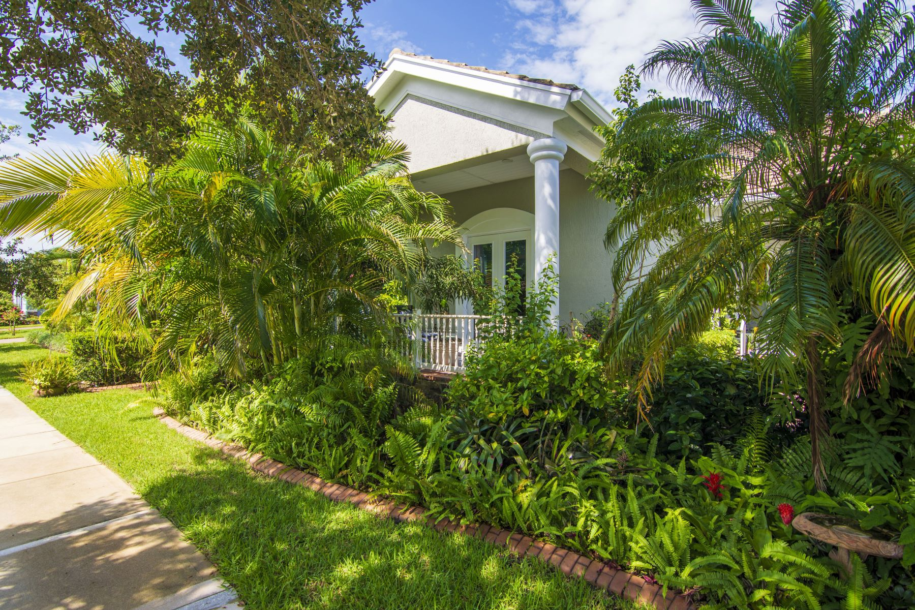 Single Family Homes for Sale at 1325 S Village Square, Vero Beach, FL 1325 S Village Square Vero Beach, Florida 32966 United States
