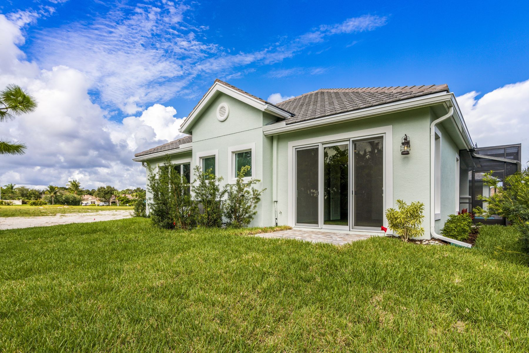 Additional photo for property listing at 2143 Falls Circle Vero Beach, Florida 32967 United States