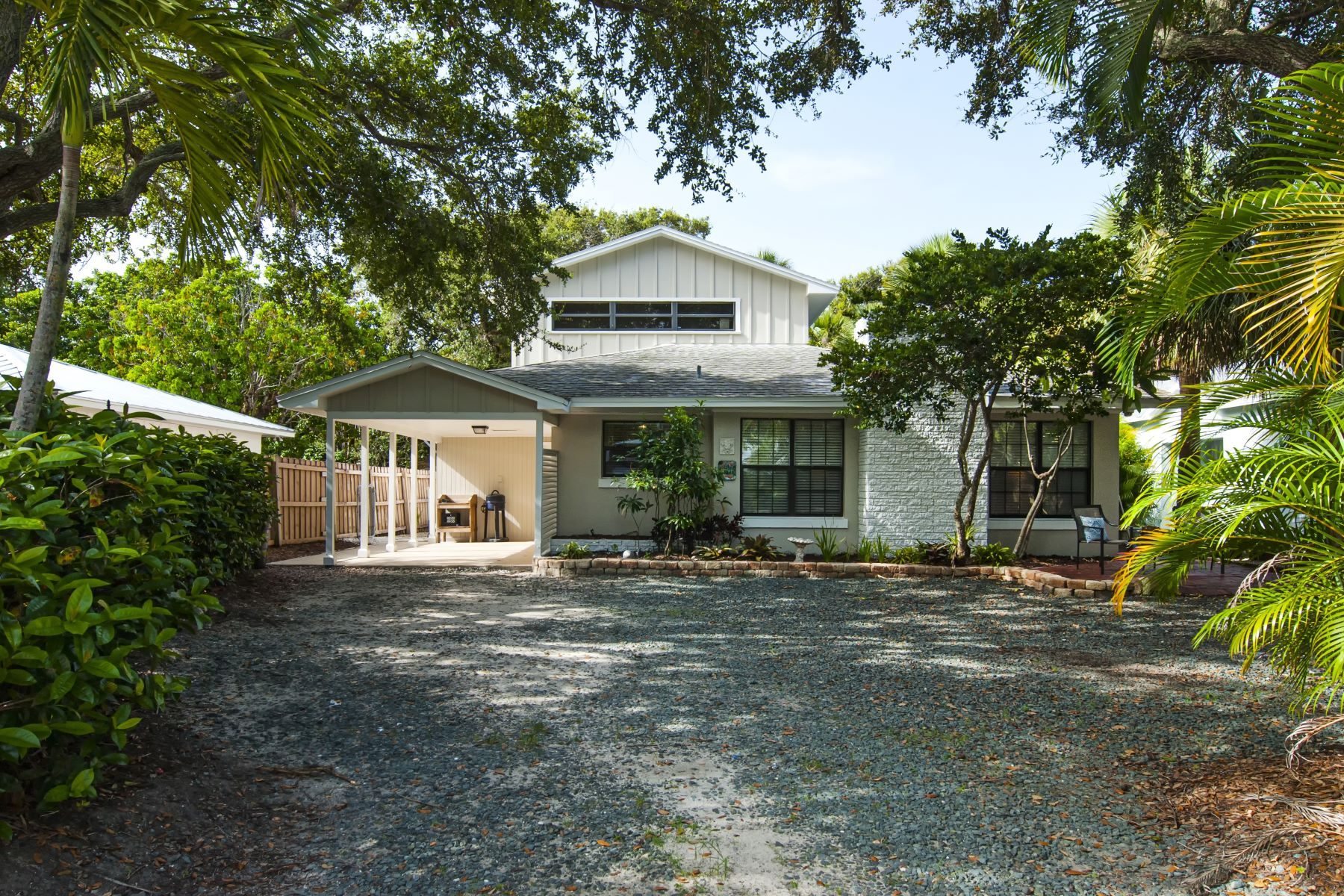 Single Family Homes for Sale at 754 Camelia Lane, Vero Beach, FL 754 Camelia Lane Vero Beach, Florida 32963 United States