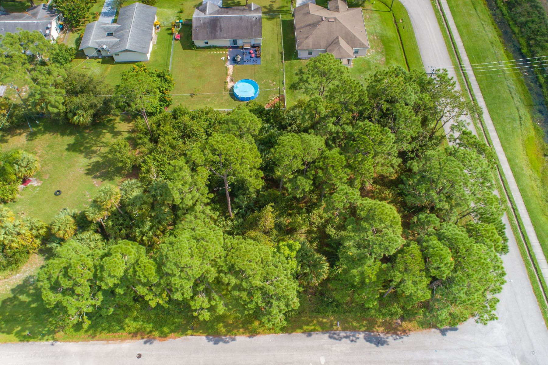 Additional photo for property listing at Perfect Site to Build Your New Home! 123 Bonfire Avenue Ne Palm Bay, Florida 32907 United States