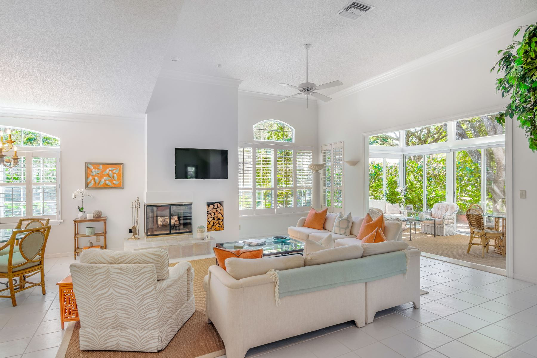 Single Family Homes for Sale at 1521 Orchid Drive, Vero Beach, FL 1521 Orchid Drive Vero Beach, Florida 32963 United States