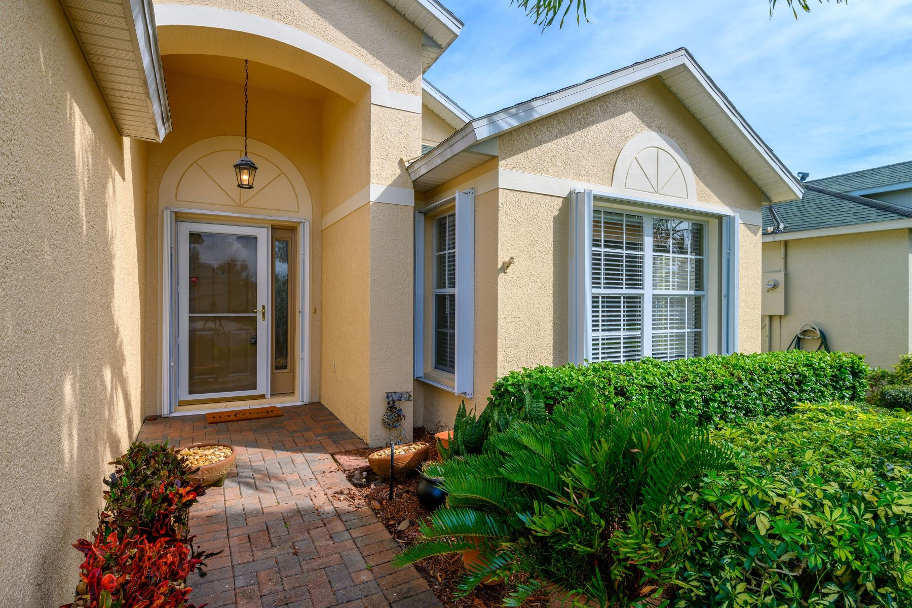 Single Family Homes for Sale at 871 Indian Oaks Drive Melbourne, Florida 32901 United States