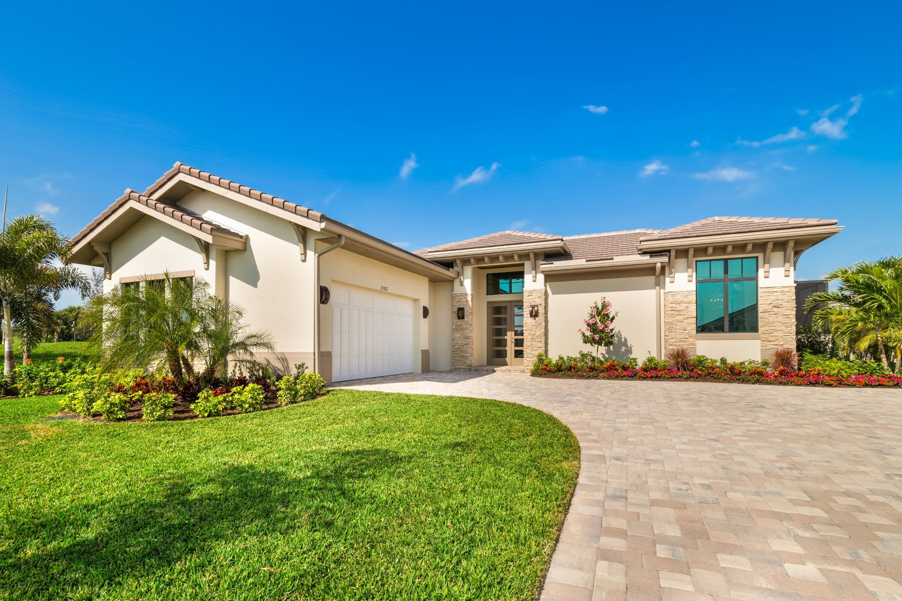 Single Family Homes 용 매매 에 Luxury New Home in the Reserve at Grand Harbor 2348 Grand Harbor Reserve Square Vero Beach, 플로리다 32967 미국