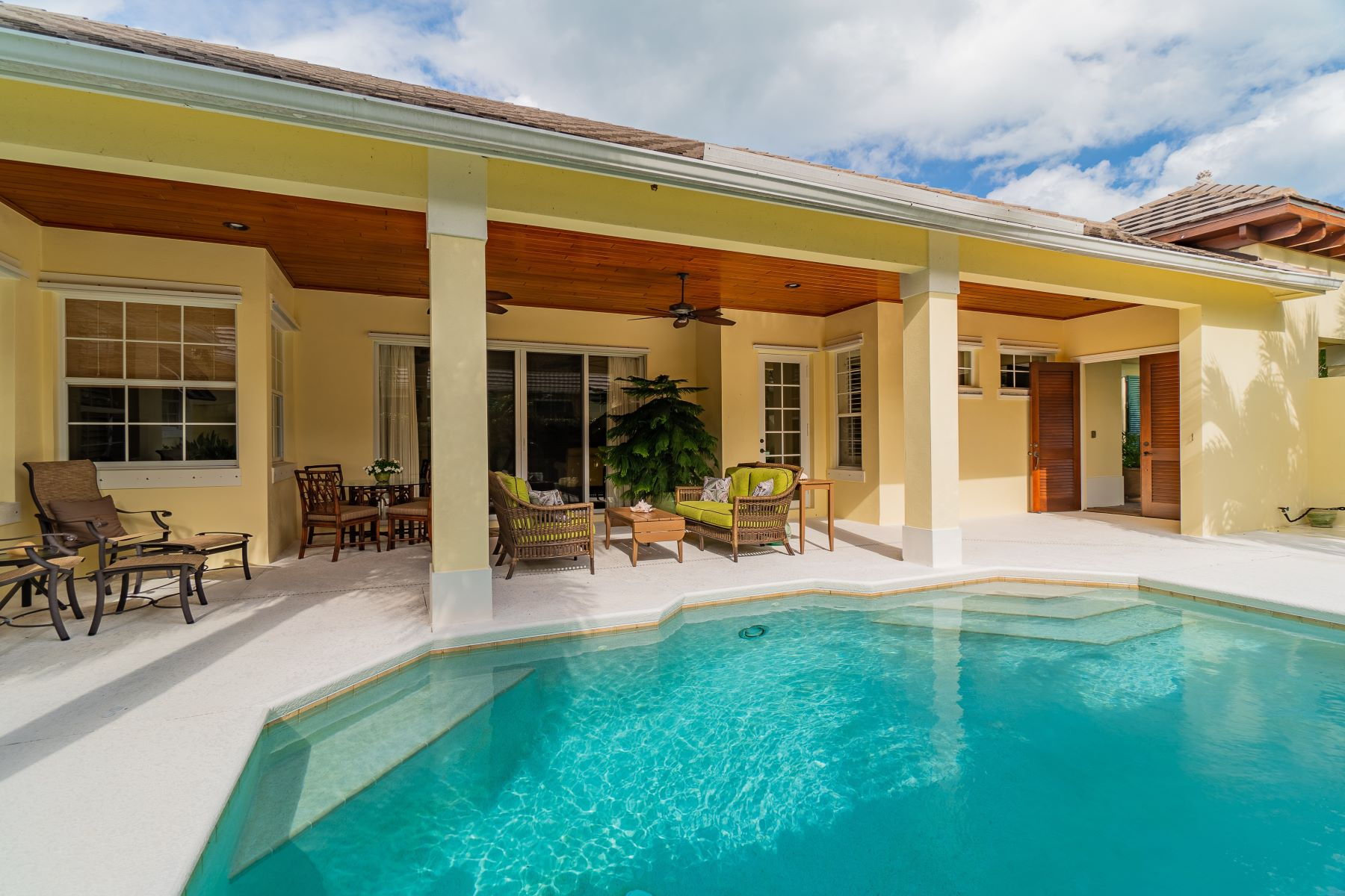 Additional photo for property listing at The Best of Seasons in Design and Architecture 9215 Spring Time Drive Vero Beach, Florida 32963 United States