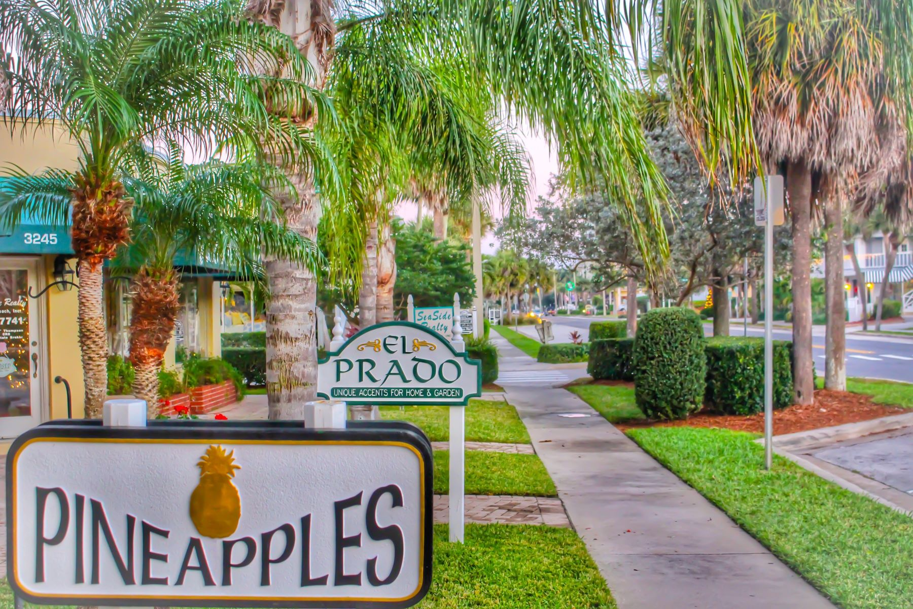 Additional photo for property listing at 1010 Easter Lily Lane 204 Vero Beach, Florida 32963 United States