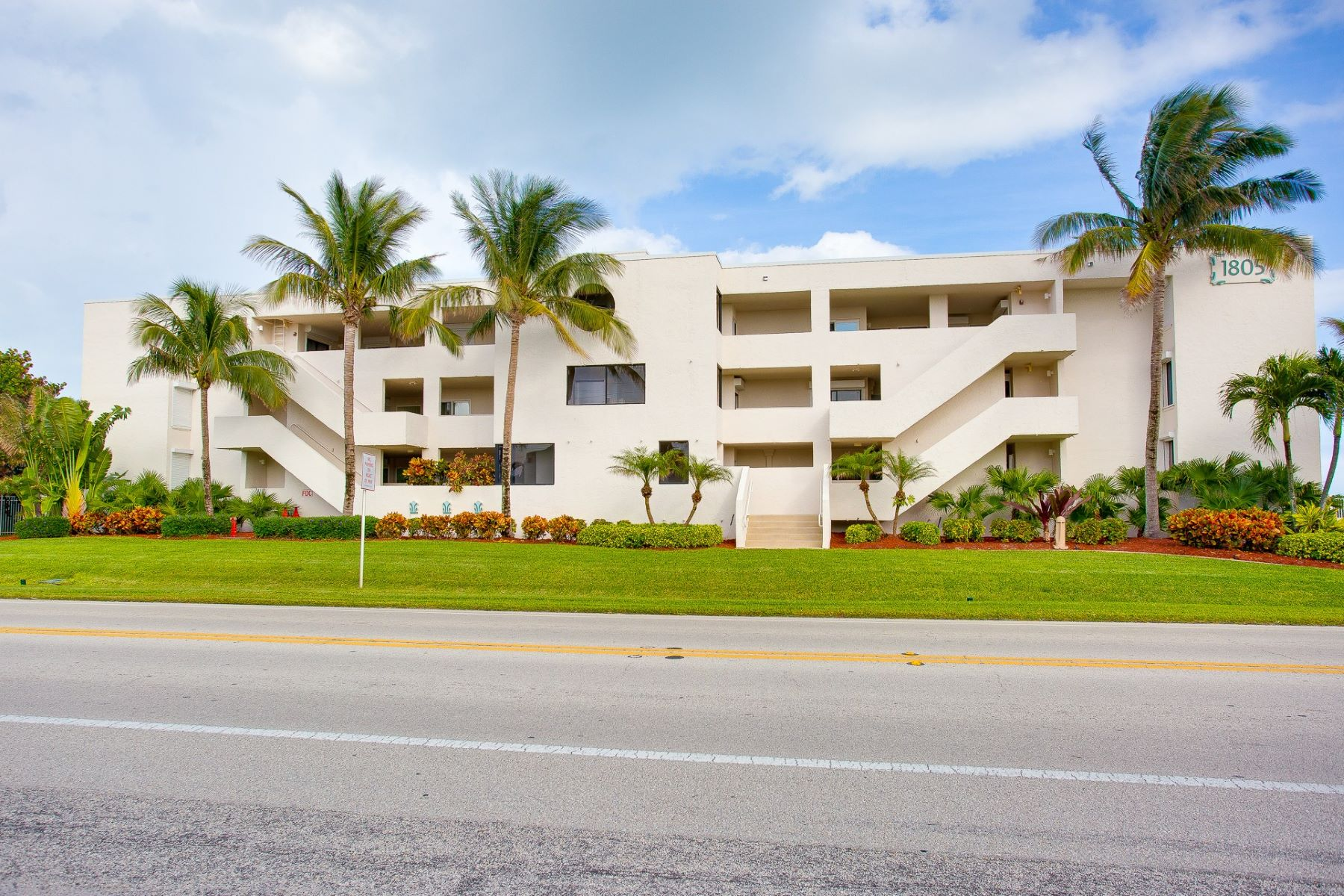 Condominiums for Sale at Totally Updated Oceanfront Condo 1805 Atlantic Street 122 Melbourne Beach, Florida 32951 United States