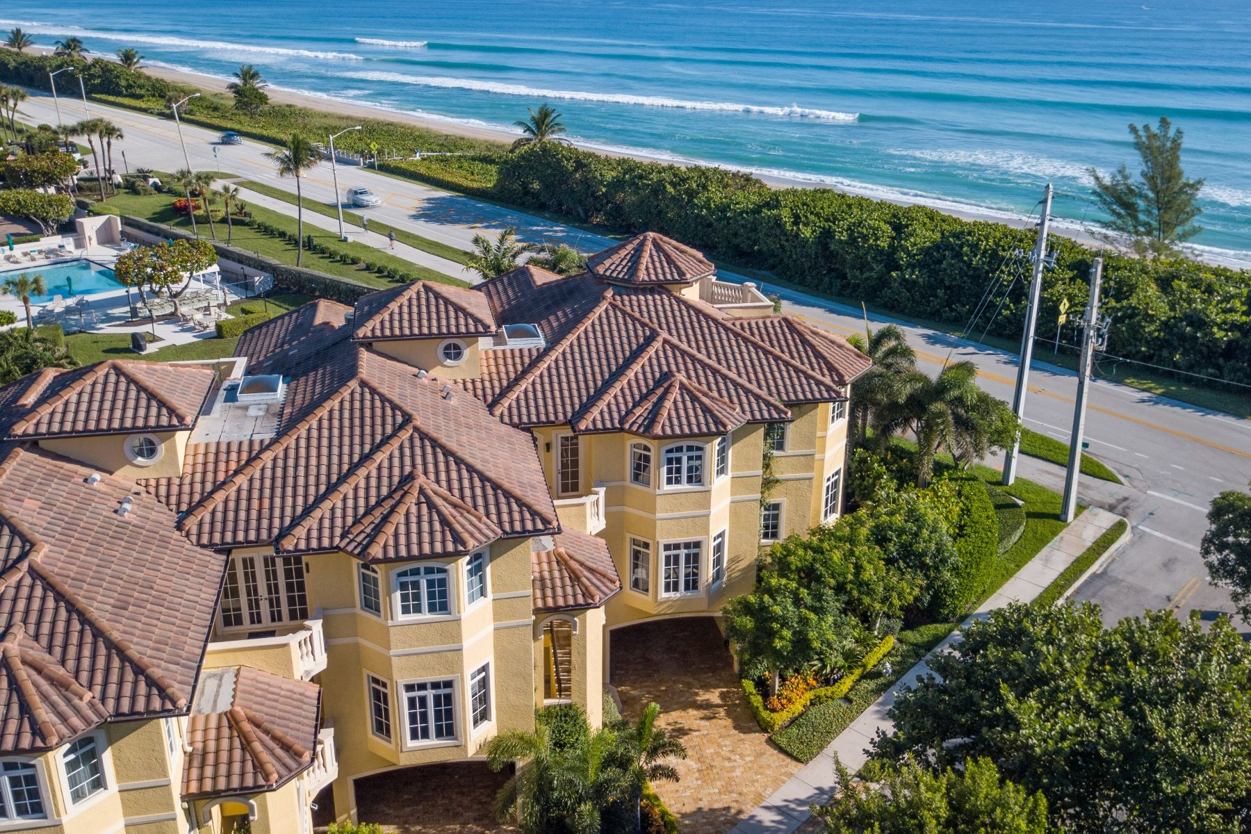 townhouses for Active at 2601 N Ocean Boulevard A Boca Raton, Florida 33431 United States