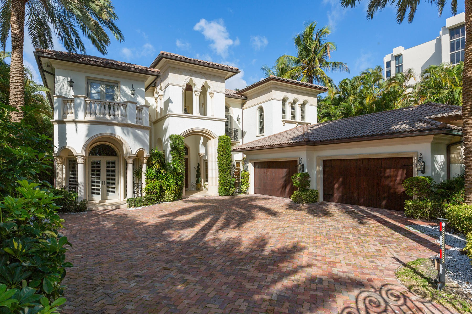 Single Family Homes for Active at 2332 S Ocean Boulevard Highland Beach, Florida 33487 United States
