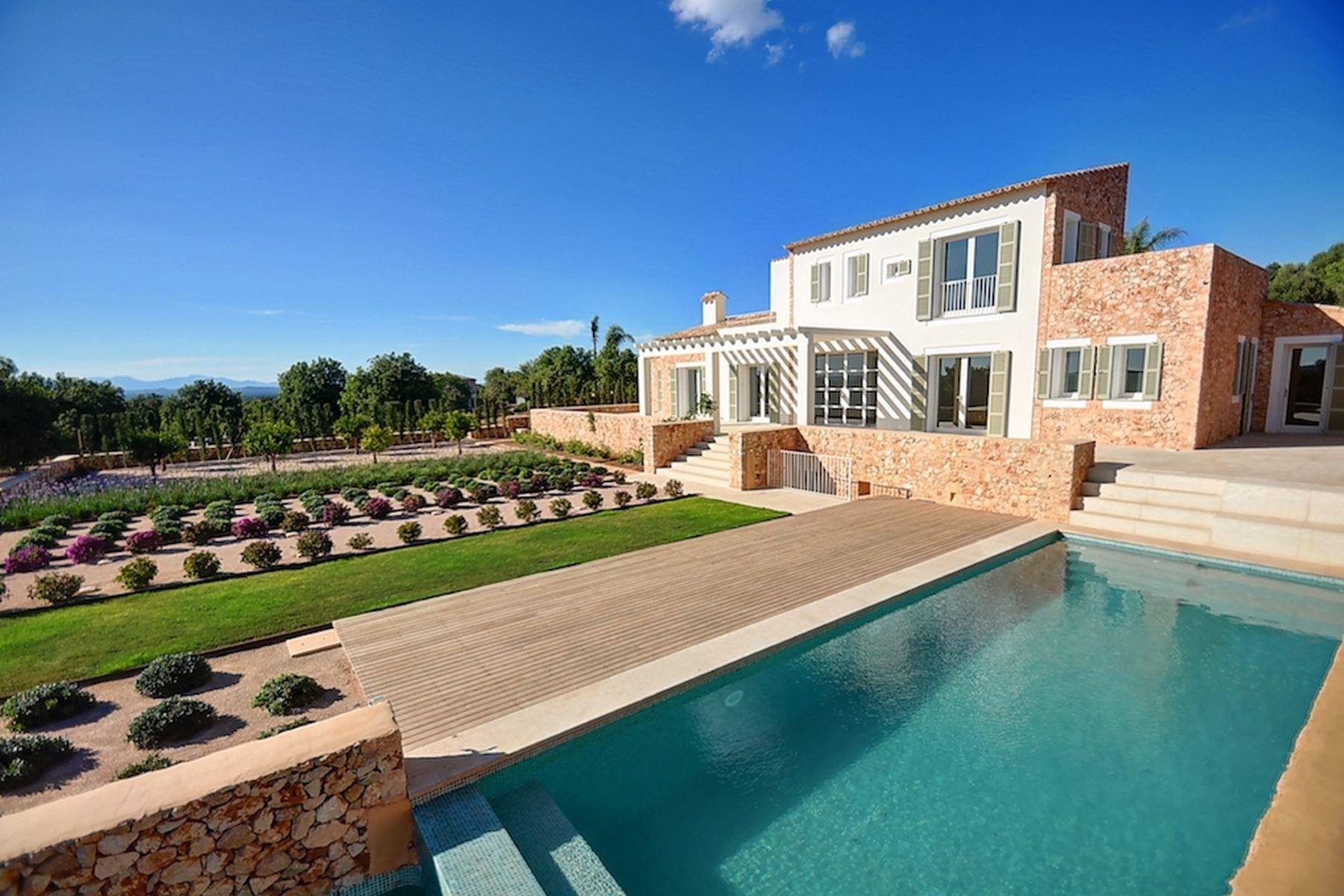 Single Family Homes for Sale at Wonderful finca in Cas Concos oficina christine Palma De Mallorca, Balearic Islands 00000 Spain