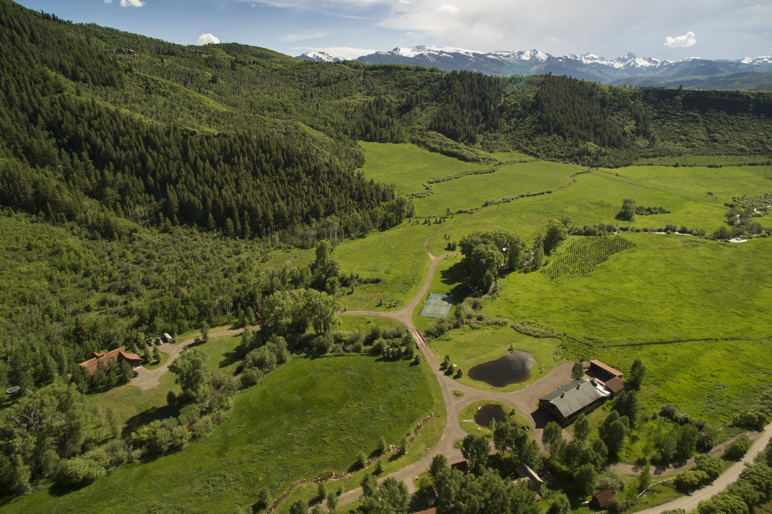 Ferme / Ranch / Plantation pour l Vente à Circle R Ranch 3448 Woody Creek Road Woody Creek, Colorado, 81656 États-Unis