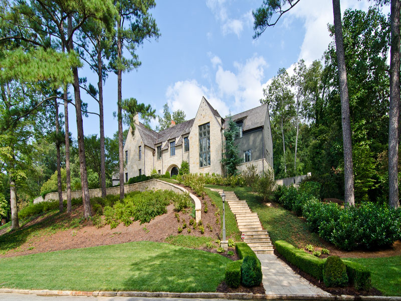 Maison unifamiliale pour l Vente à Magnificent Custom Built European Masterpiece 435 King Road NW Buckhead, Atlanta, Georgia 30342 États-Unis