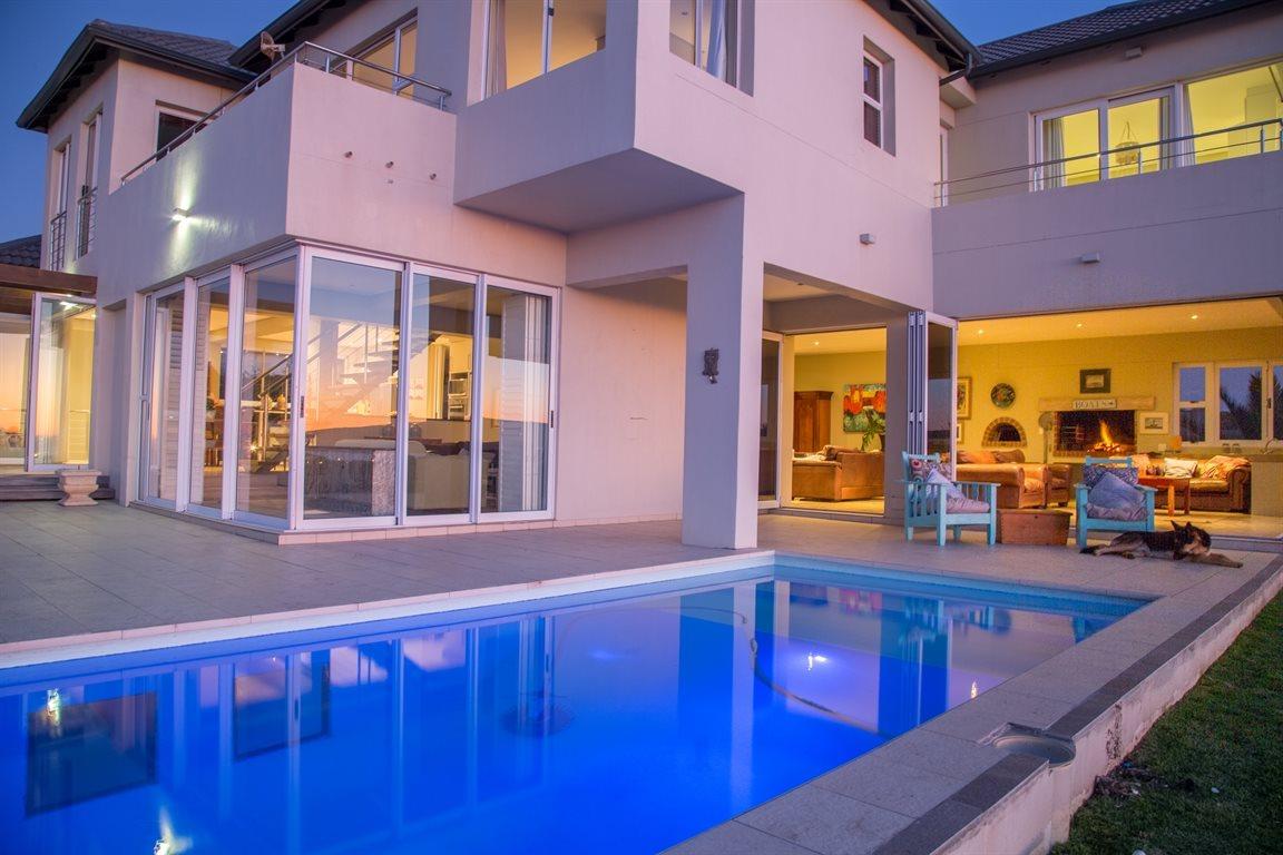 Maison unifamiliale pour l Vente à An exquisite home with magnificent views Other Western Cape, Cap-Occidental, 7357 Afrique Du Sud