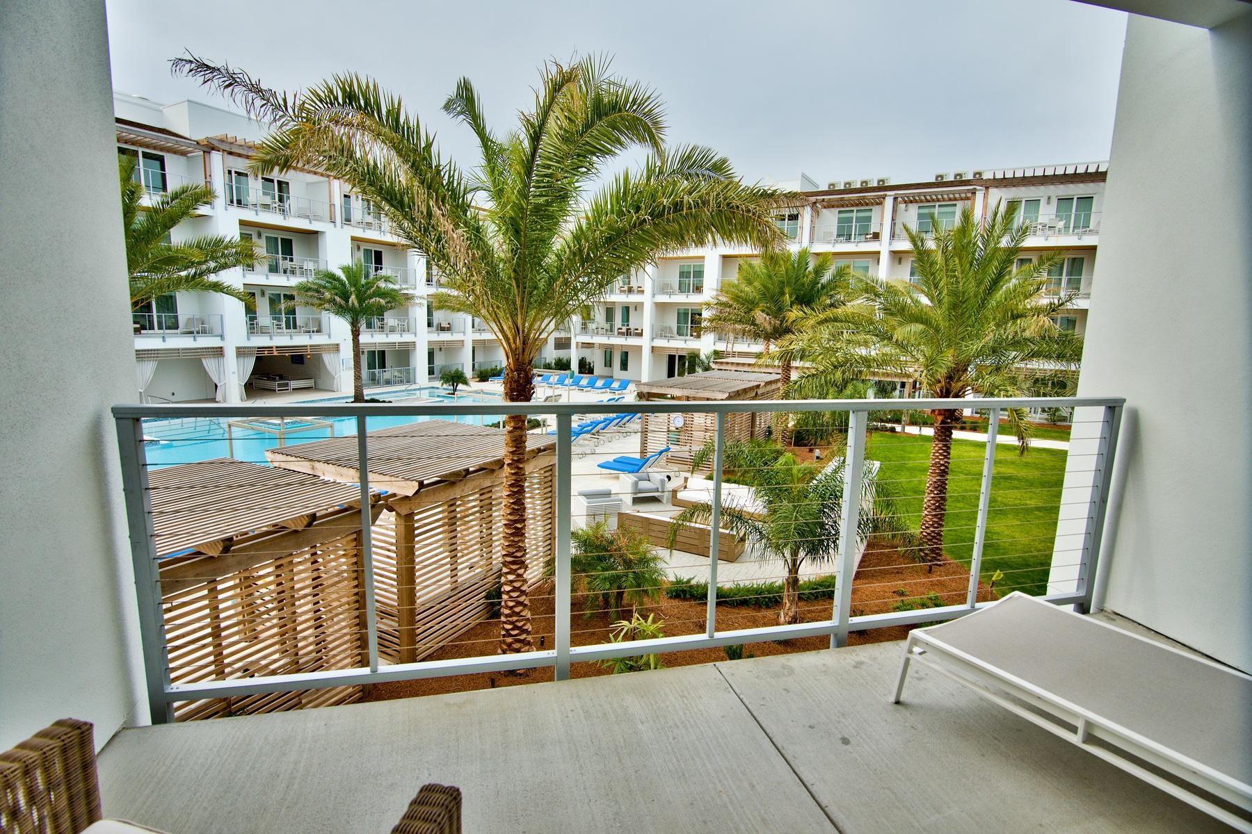 Condominio per Vendita alle ore THE POINTE ON 30A 10711 East County Highway 30A 323 Inlet Beach, Florida, 32461 Stati Uniti
