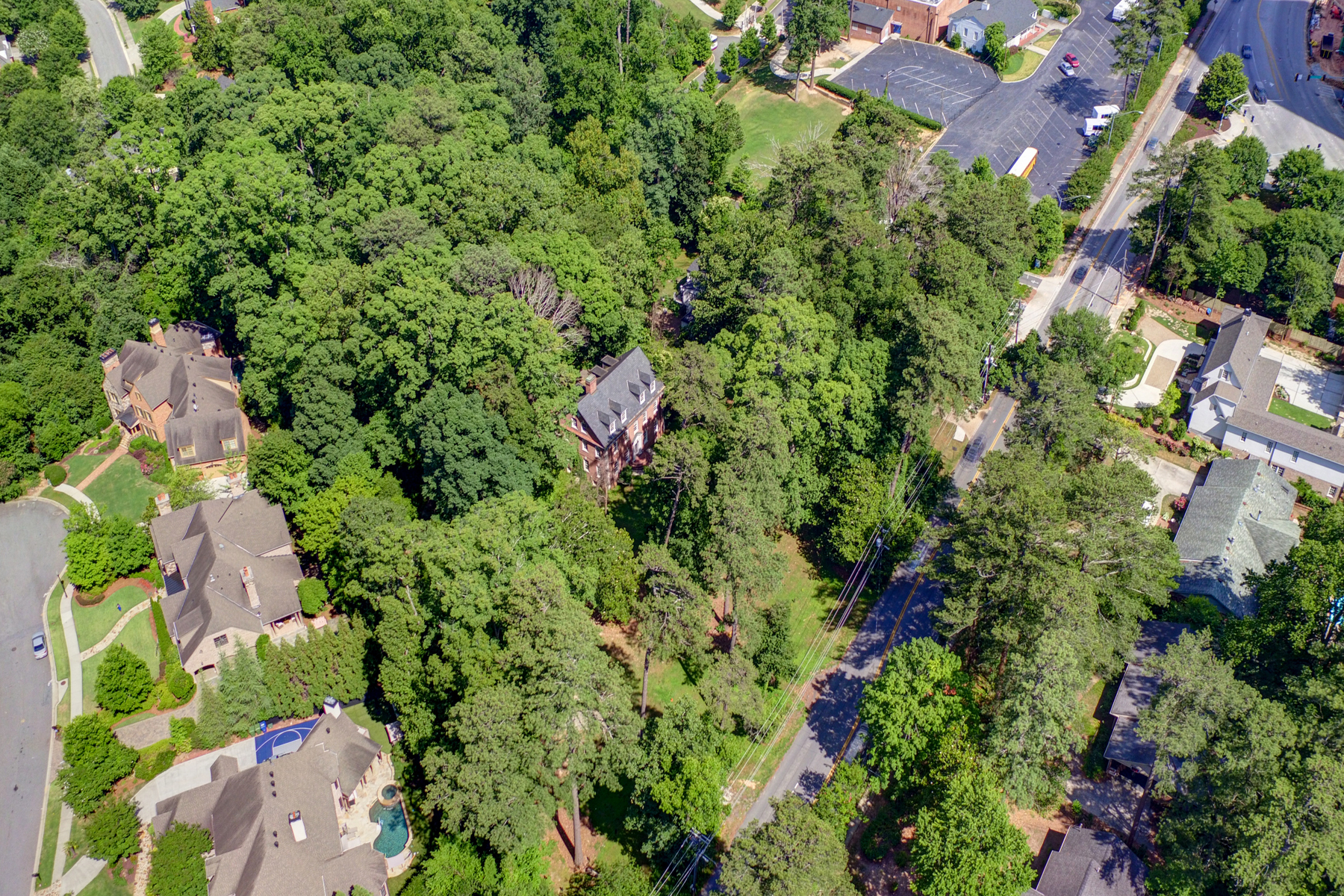 Additional photo for property listing at 3.3 Acre Buckhead Estate 3745 Wieuca Road Atlanta, Georgia 30342 Stati Uniti