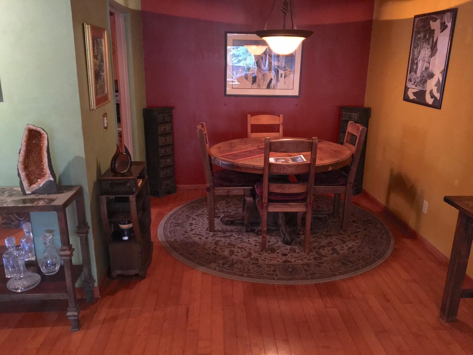 Кооперативная квартира для того Продажа на 1940 North Highland Avenue #44 1940 North Highland Avenue #44 Los Angeles, Калифорния, 90068 Соединенные Штаты