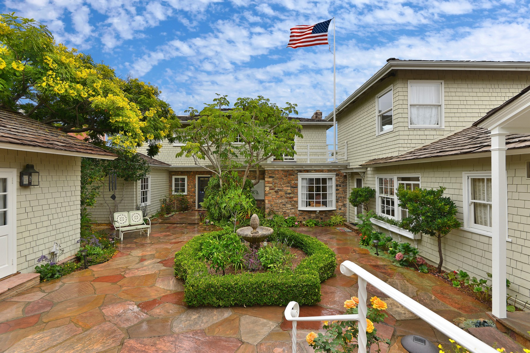 sales property at 515 San Elijo Street