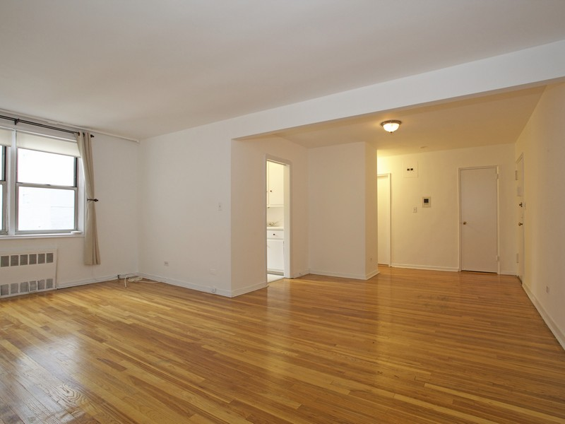 Co-op for Sale at Spacious & Light-filled One Bedroom 525 West 236 Street 4J Riverdale, New York, 10463 United States