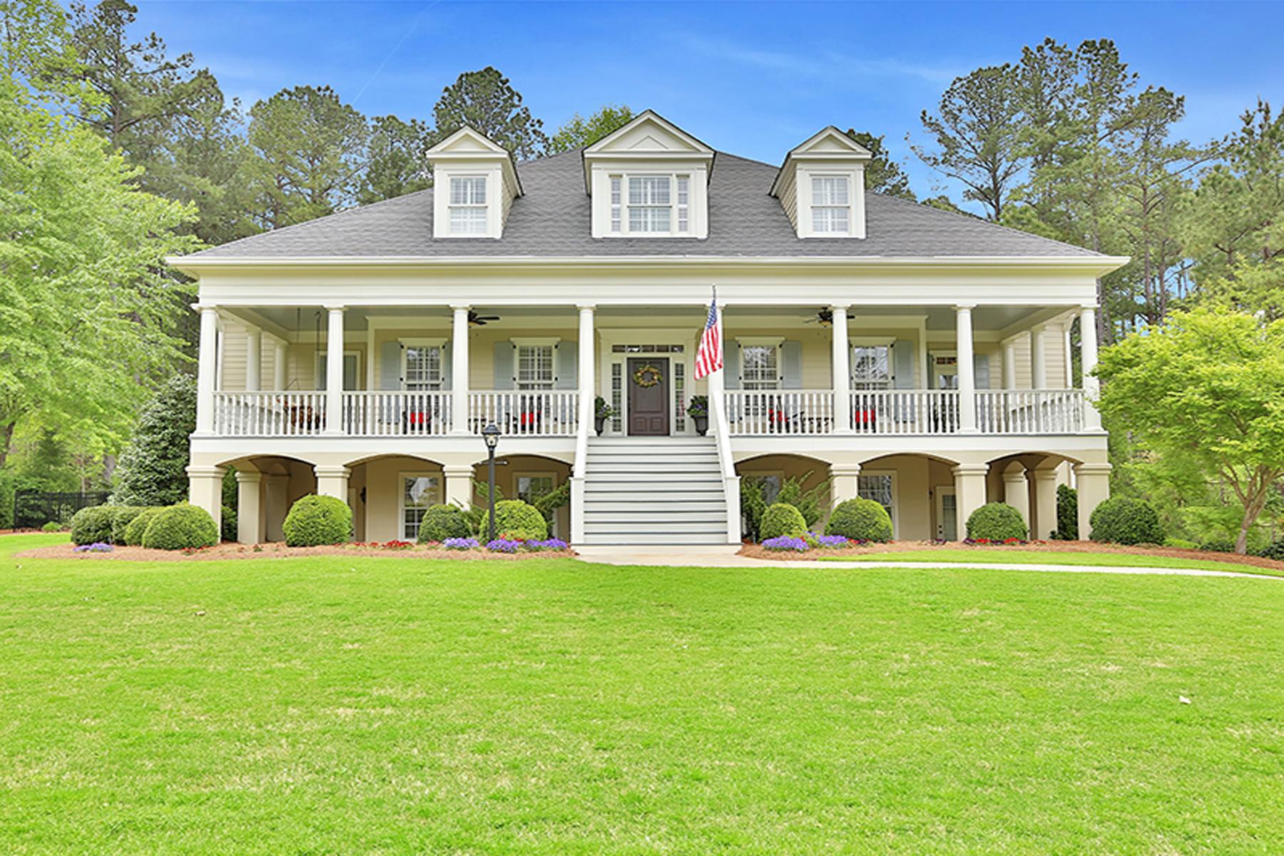 Maison unifamiliale pour l Vente à Stunning Highgrove Home With Brand New Pebble Tec Pool 160 Whitegate Drive Fayetteville, Georgia, 30215 États-Unis