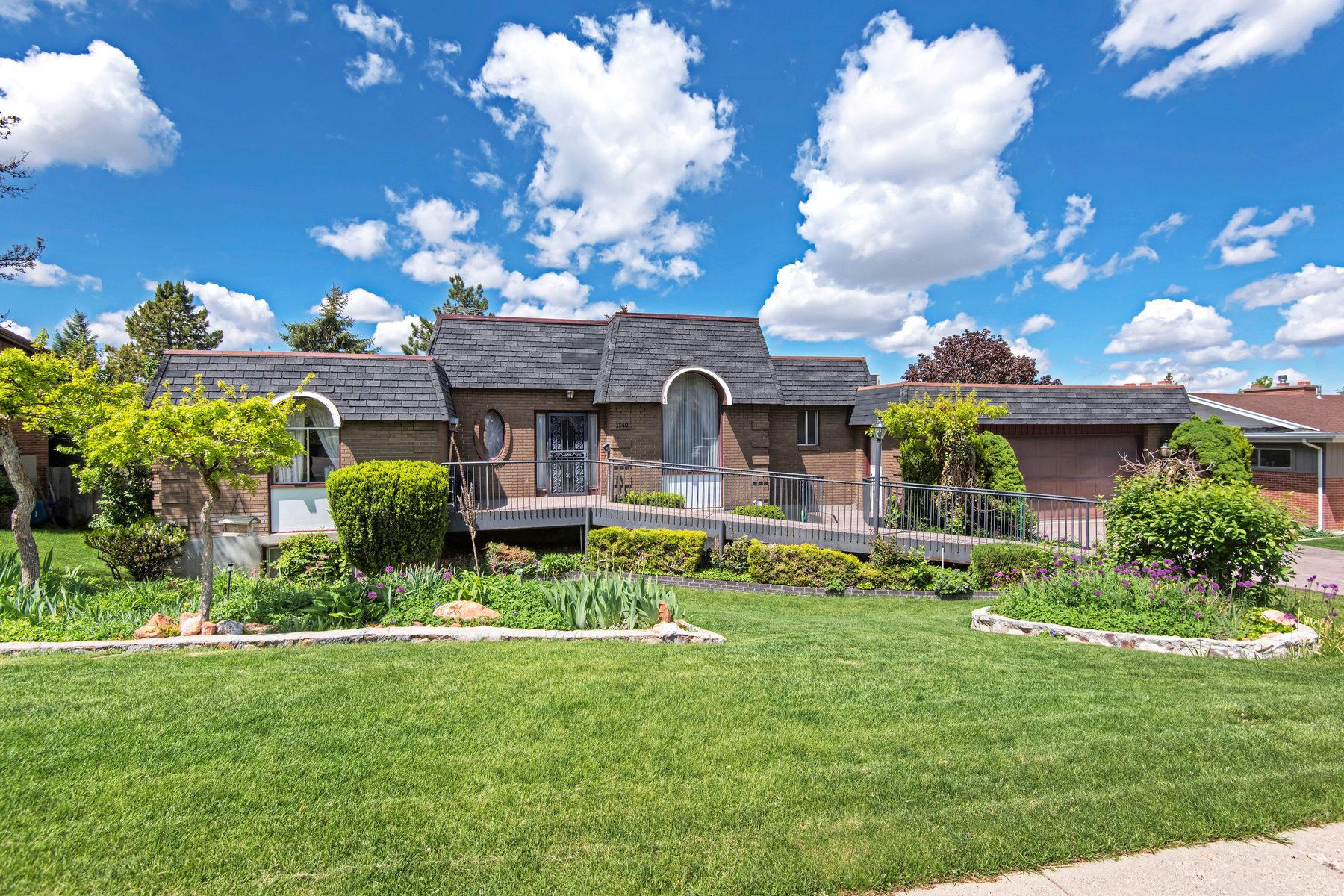 独户住宅 为 销售 在 Custom Home with Unlimited Potential 1140 S Mercedes Way 盐湖城市, 犹他州, 84108 美国