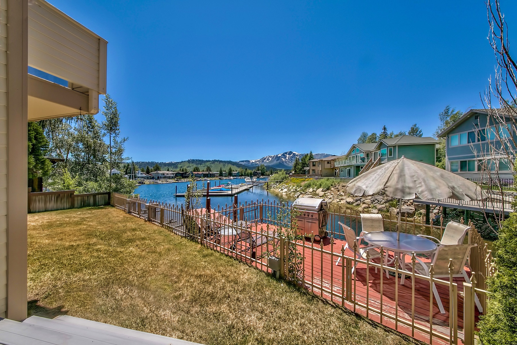 Additional photo for property listing at 358 Beach Lane  South Lake Tahoe, California 96150 Estados Unidos