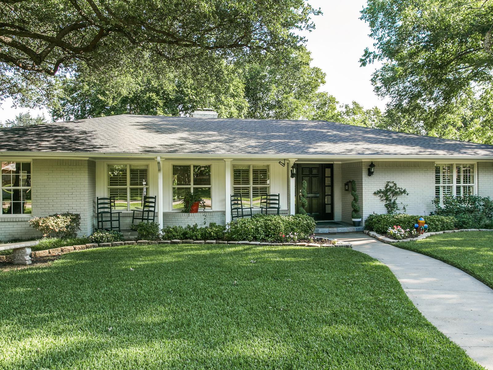 Maison unifamiliale pour l Vente à Fabulous Open Ranch in Sought After Jan Mar Area 7031 Mason Dells Drive Dallas, Texas 75230 États-Unis