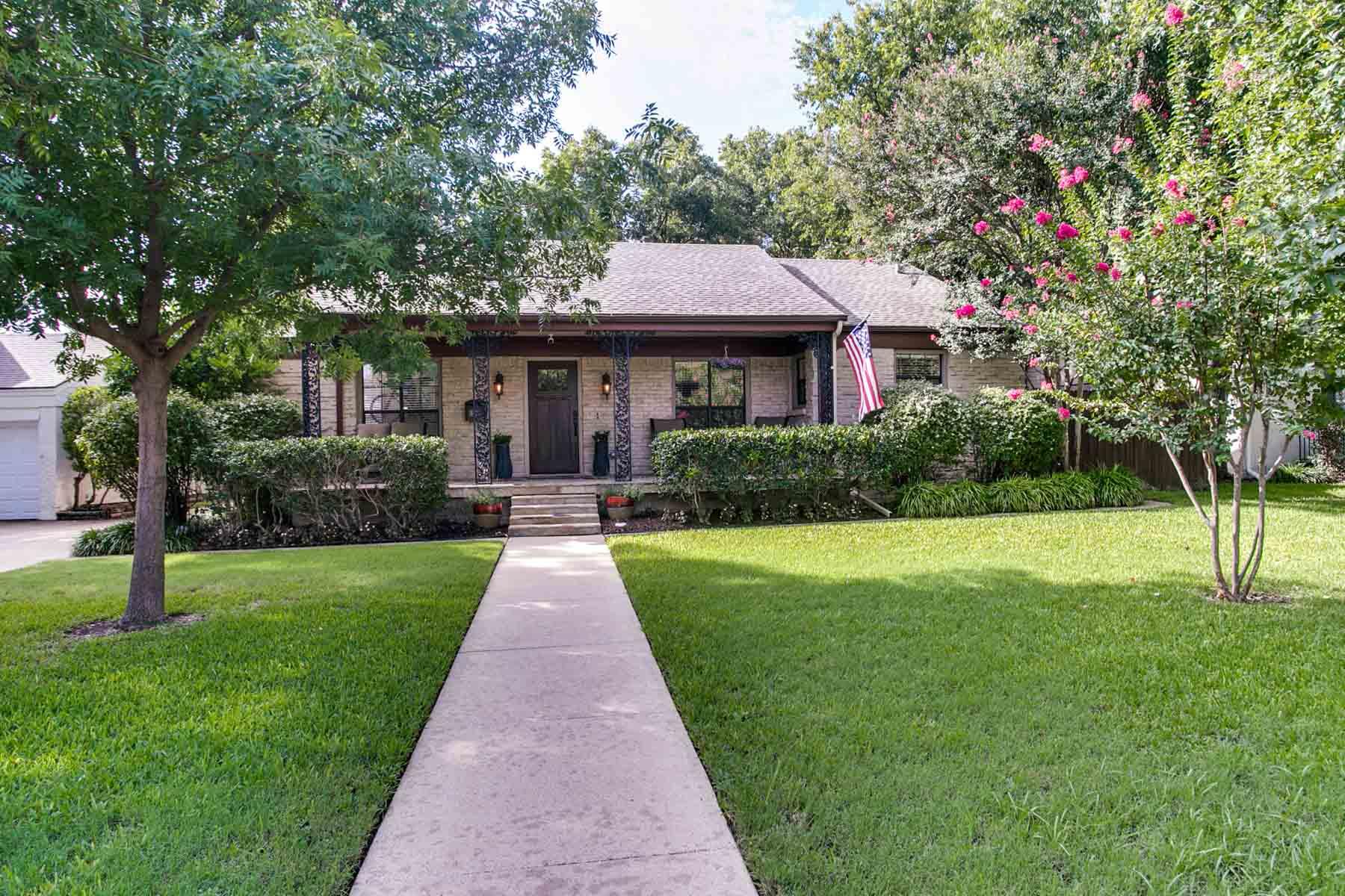 一戸建て のために 売買 アット Completely Remodeled Home 6109 Kenwick Ave. Fort Worth, テキサス, 76116 アメリカ合衆国