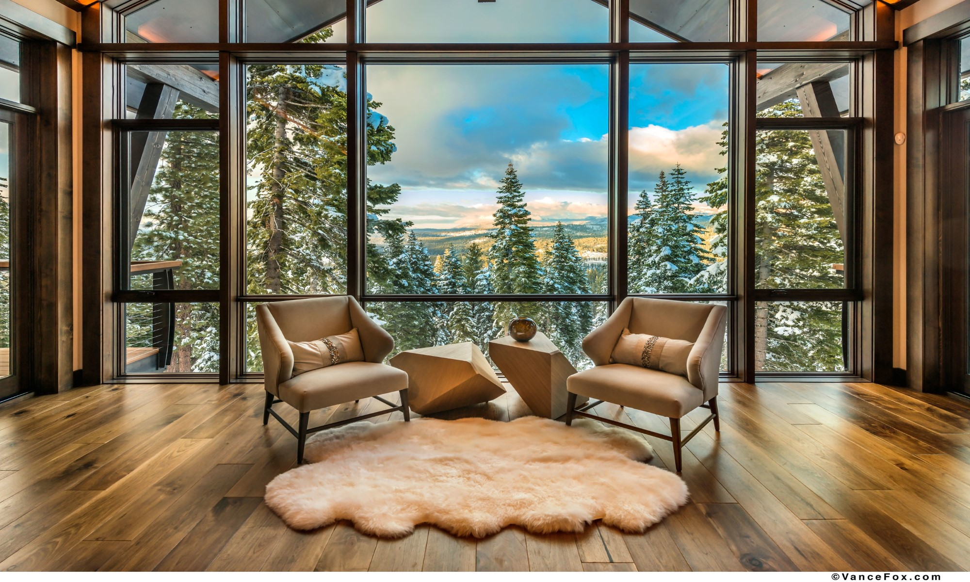 Single Family Home for Sale at 19040 Glades Place Truckee, California 96161 United States