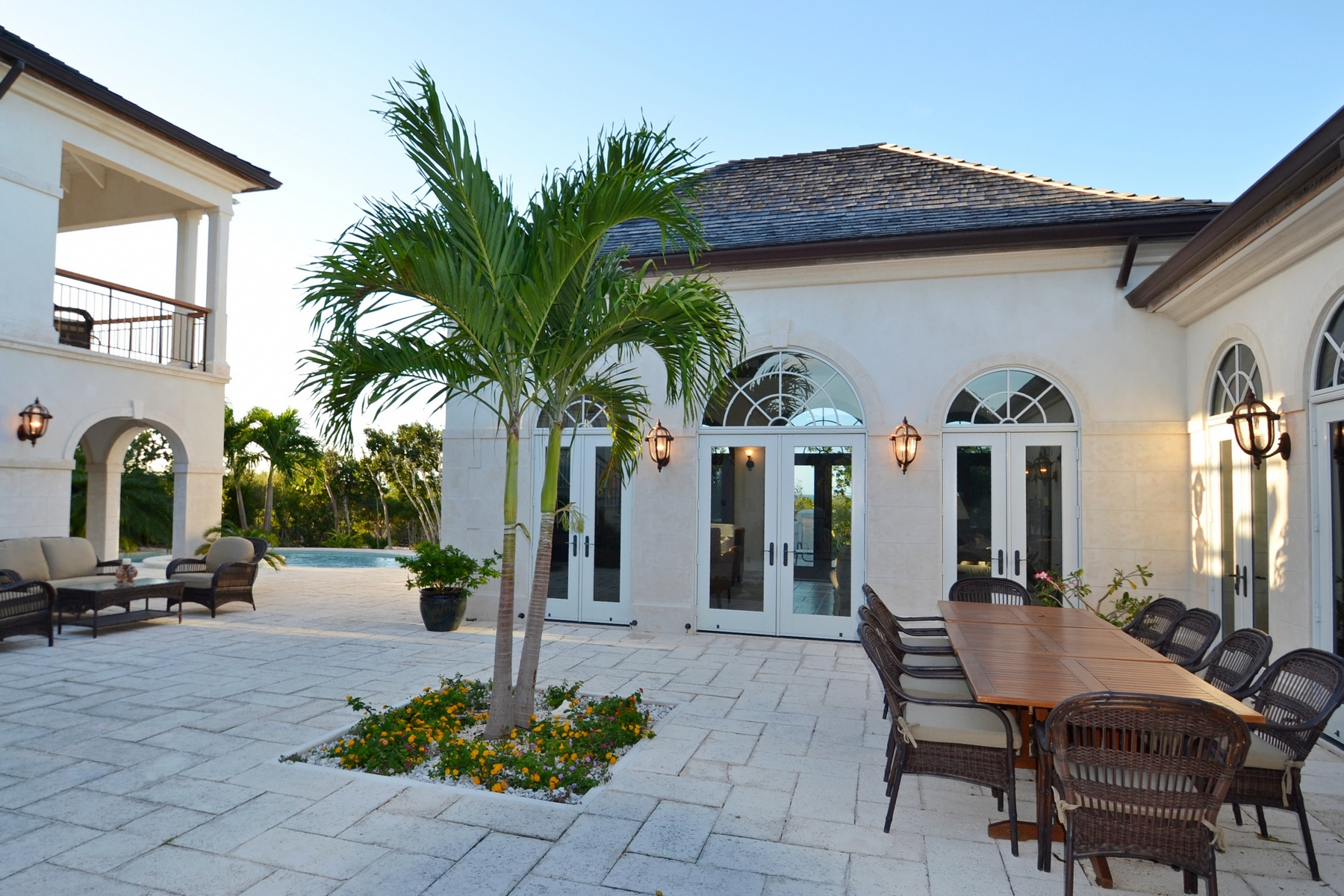 Additional photo for property listing at Casa Barana Beachfront Thompson Cove, Providenciales TCI BWI Turks And Caicos Islands