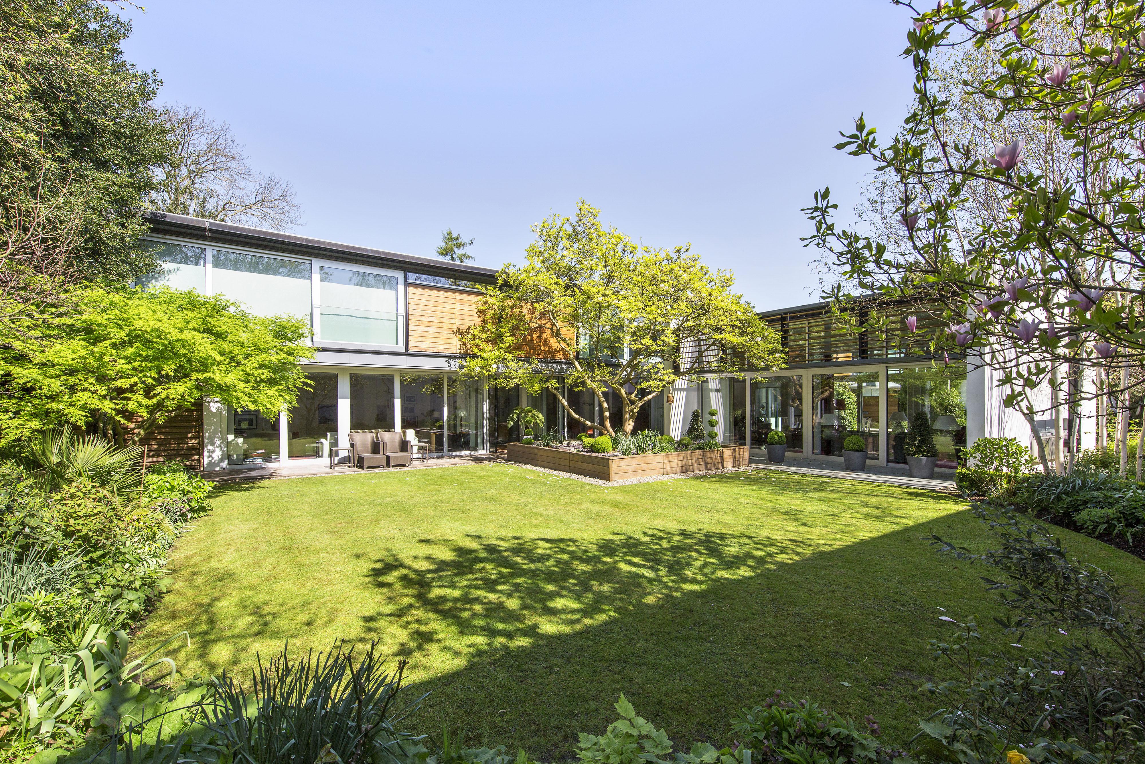 Nhà ở một gia đình vì Bán tại Richmond River Lane Richmond Other England, Anh Quốc TW107AG Vương Quốc Anh