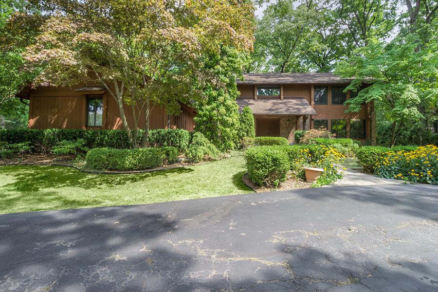 Nhà ở một gia đình vì Bán tại Bloomfield Hills 4555 Stoneleigh Road Bloomfield Township, Michigan, 48302 Hoa Kỳ