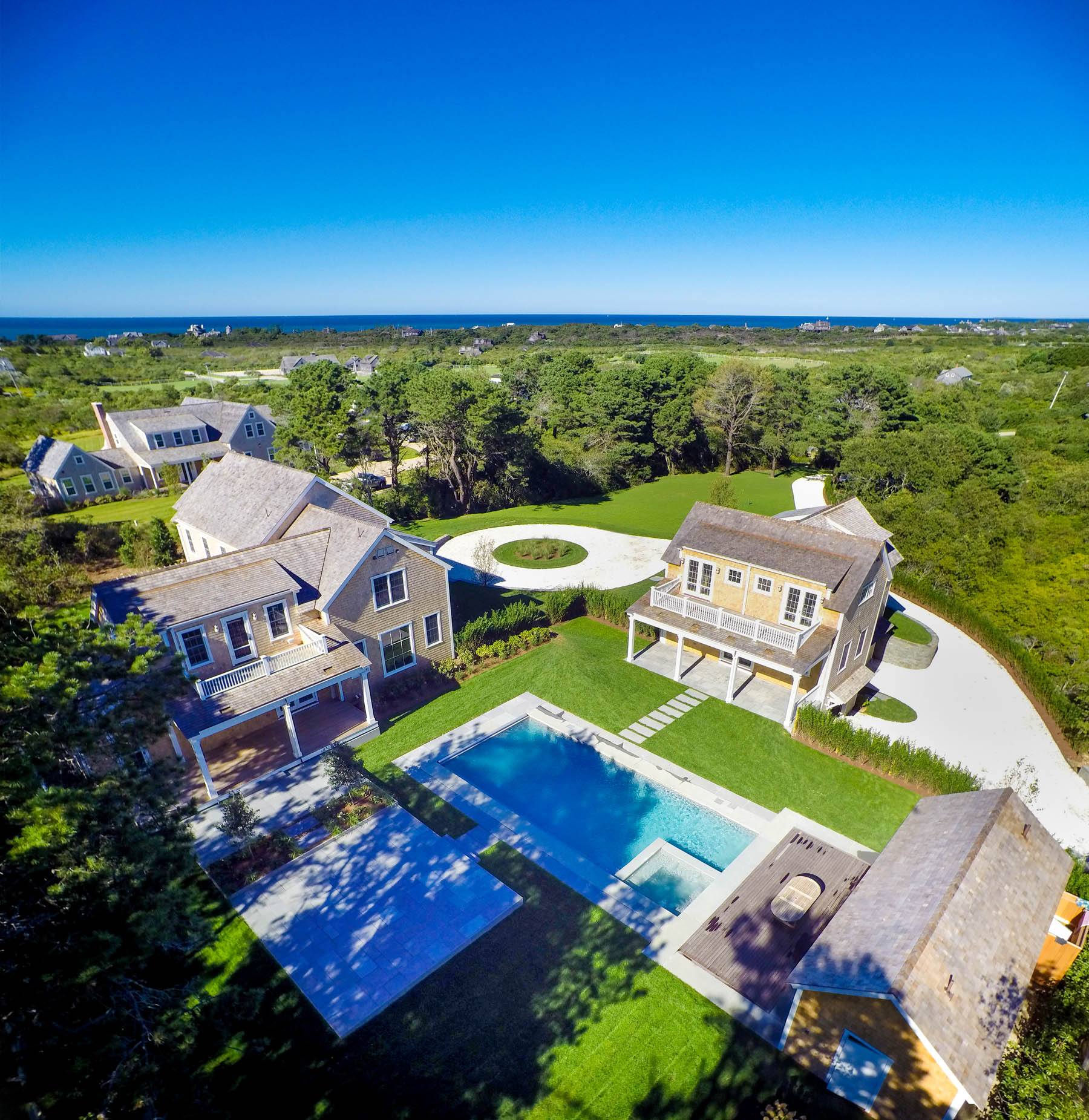 Casa Unifamiliar por un Venta en New. Stylish. Modern. State of the Art. 7 Primrose Lane Nantucket, Massachusetts, 02554 Estados Unidos