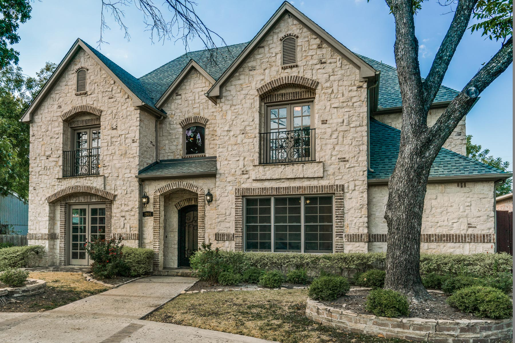 Vivienda unifamiliar por un Venta en Custom University Park 2009 Traditional 2908 Lovers Lane Dallas, Texas 75225 Estados Unidos